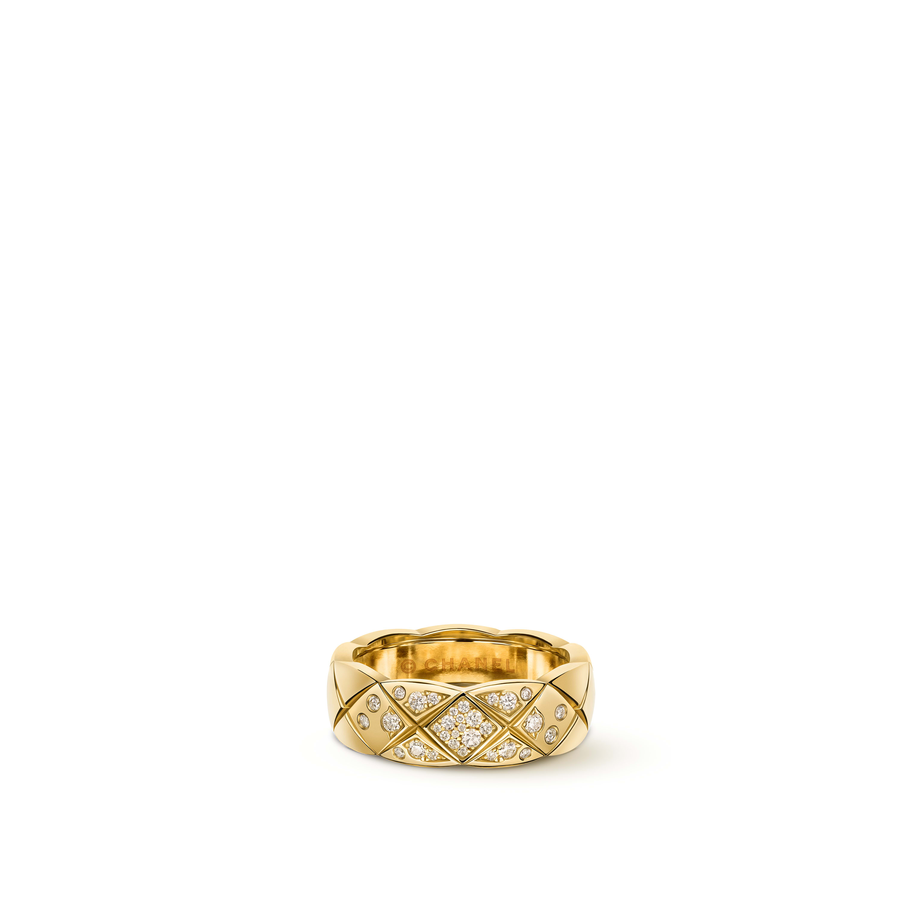 Coco Crush ring - Quilted motif, small version, 18K yellow gold, diamonds - CHANEL - Default view - see standard sized version