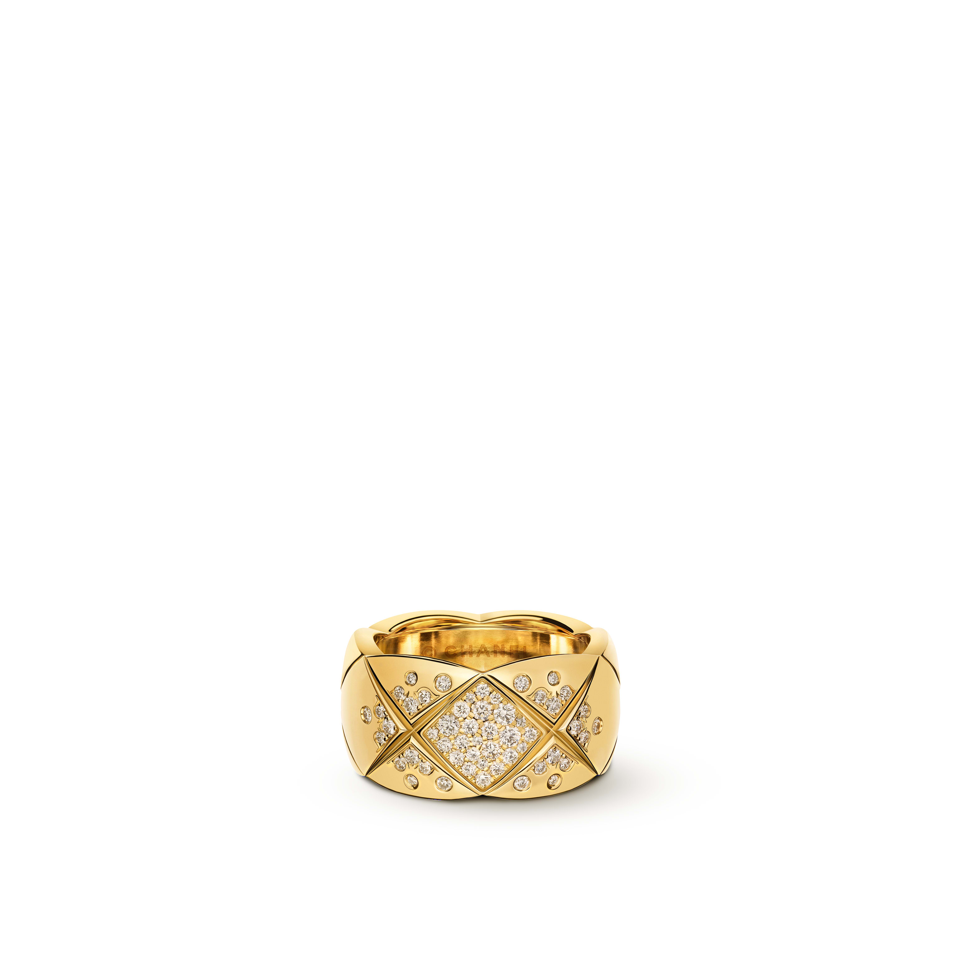 Coco Crush ring - Quilted motif, large version, 18K yellow gold, diamonds - CHANEL - Default view - see standard sized version