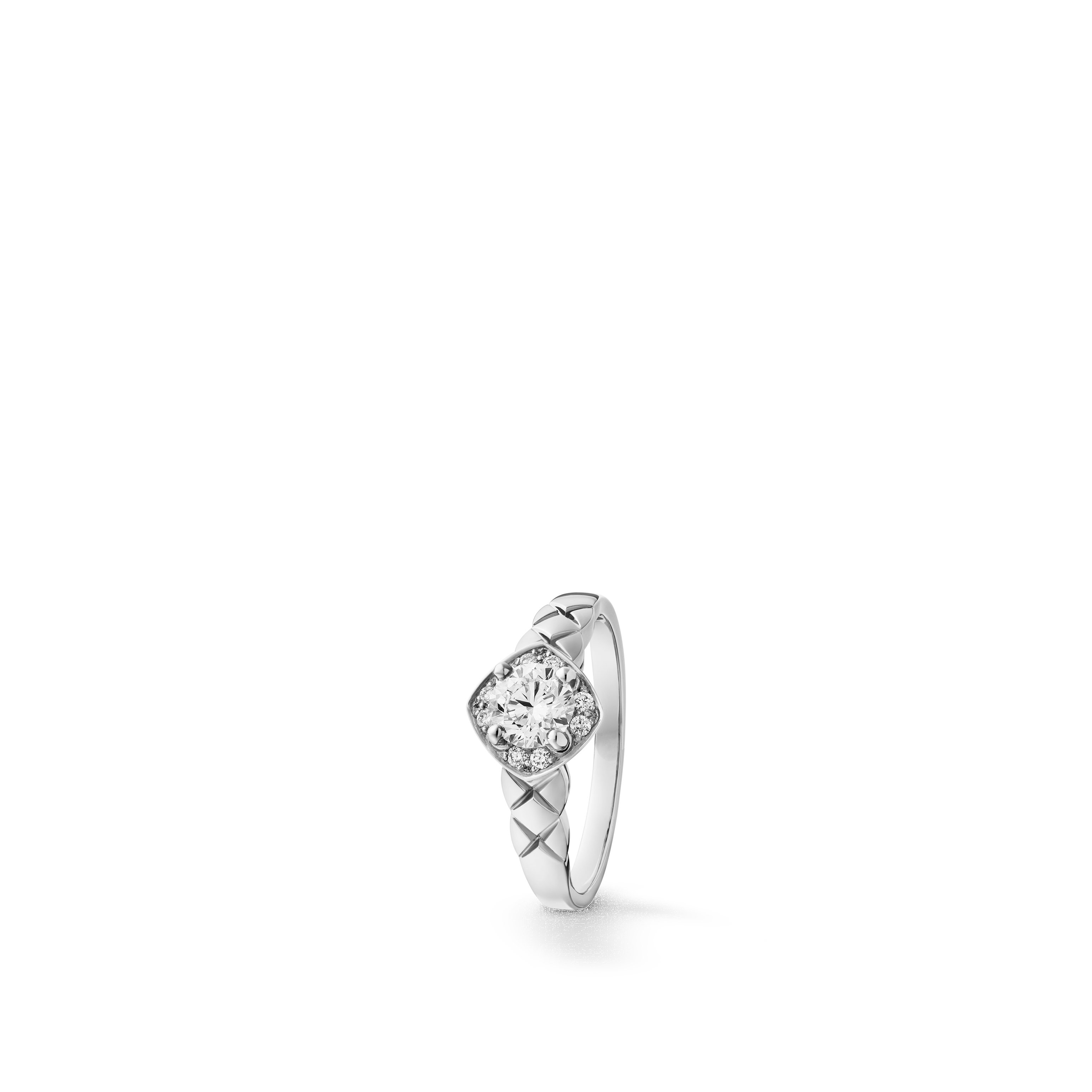 Coco Crush solitaire ring - Quilted motif, platinum, center diamond, diamonds - CHANEL - Default view - see standard sized version