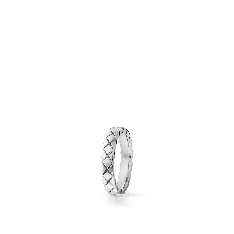 Coco Crush wedding band - Quilted motif, medium version, platinum, diamonds - CHANEL - Default view - see standard sized version