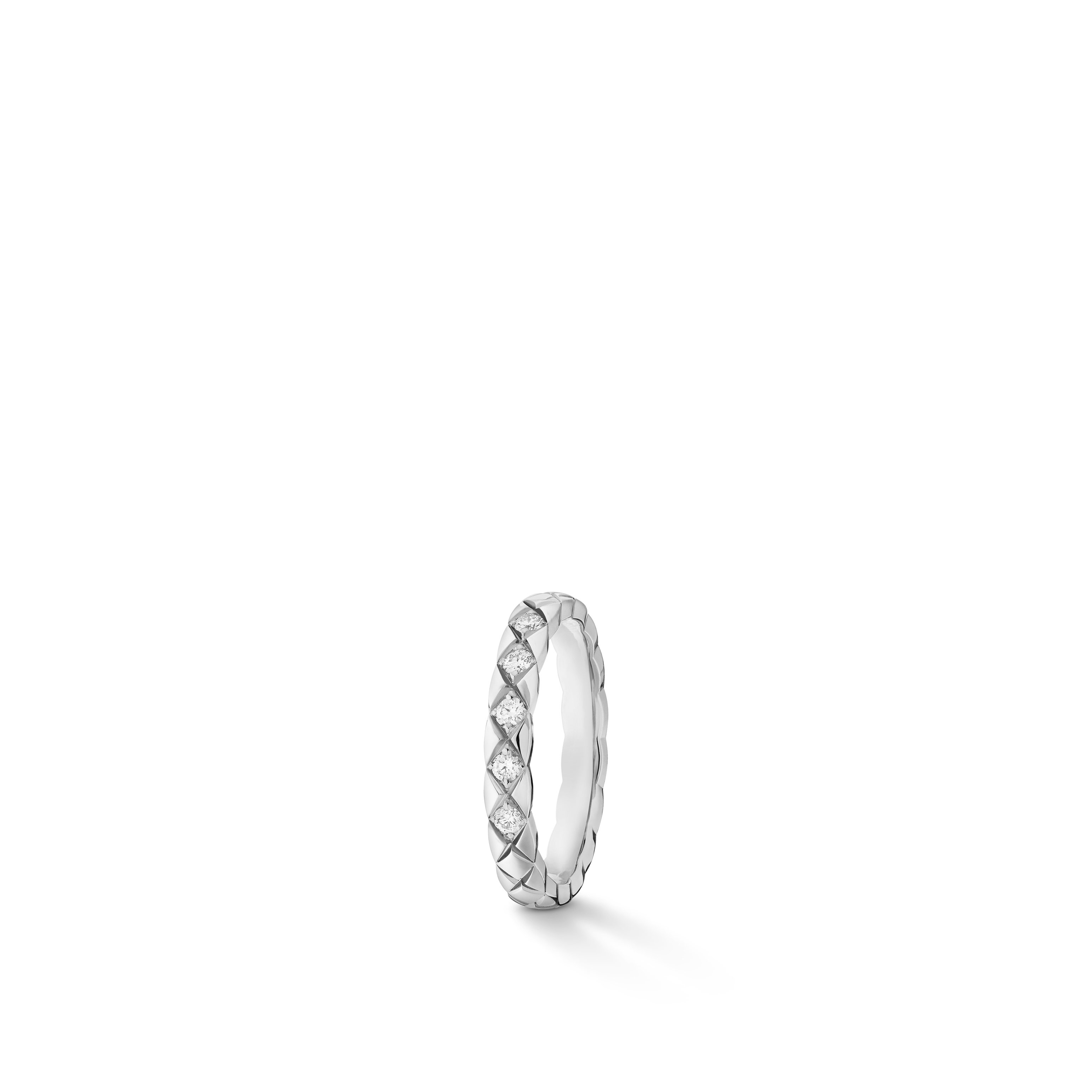Coco Crush wedding band - Quilted motif, small version, platinum, diamonds - CHANEL - Default view - see standard sized version