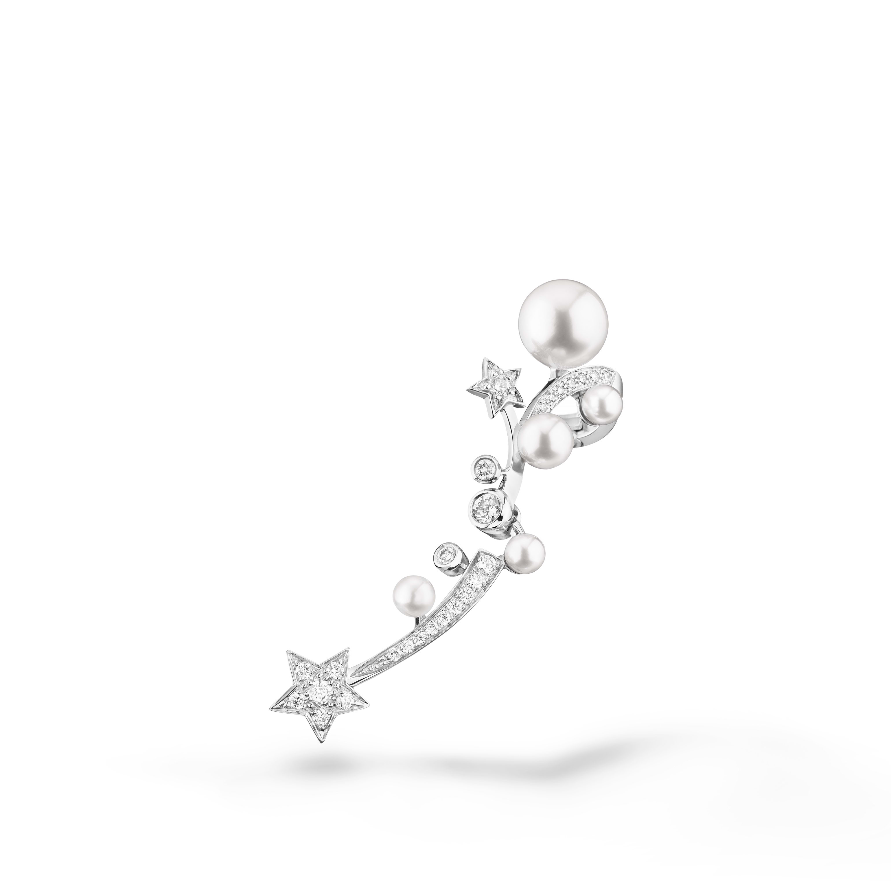 Comète Perlée ear cuff - 18K white gold, diamonds, cultured pearls - CHANEL - Default view - see standard sized version