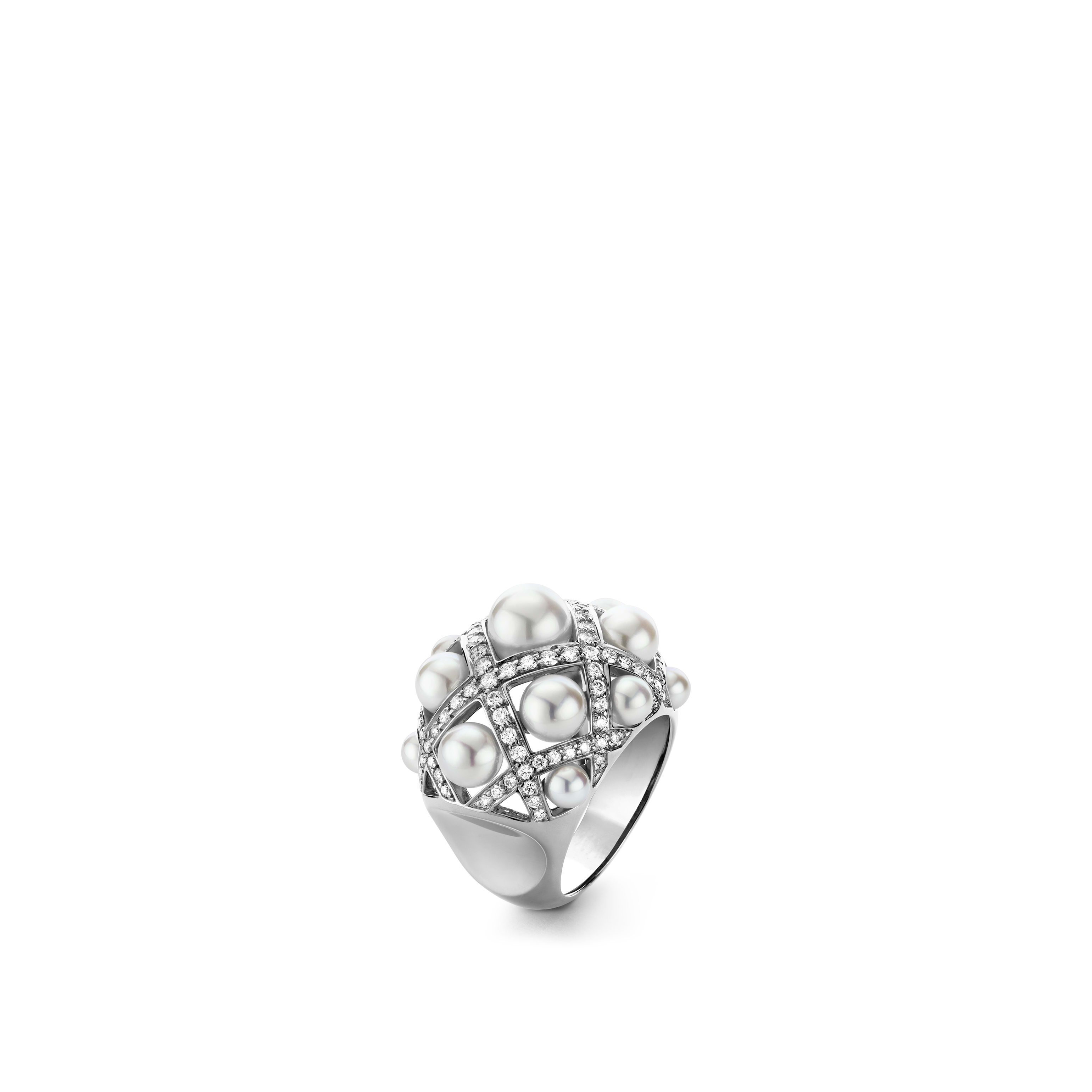 Perles Matelassé ring - Large version, 18K white gold, diamonds, cultured pearls - CHANEL - Default view - see standard sized version