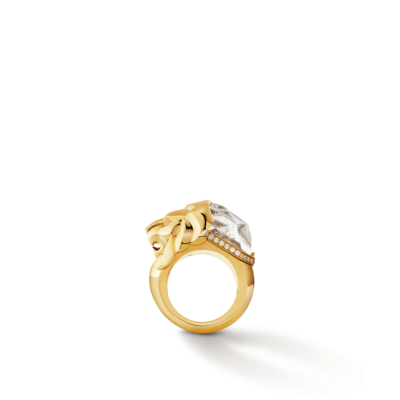 Sous le Signe du Lion ring - Lion Sculptural ring in 18K yellow gold, diamonds and quartz - Default view - see standard sized version