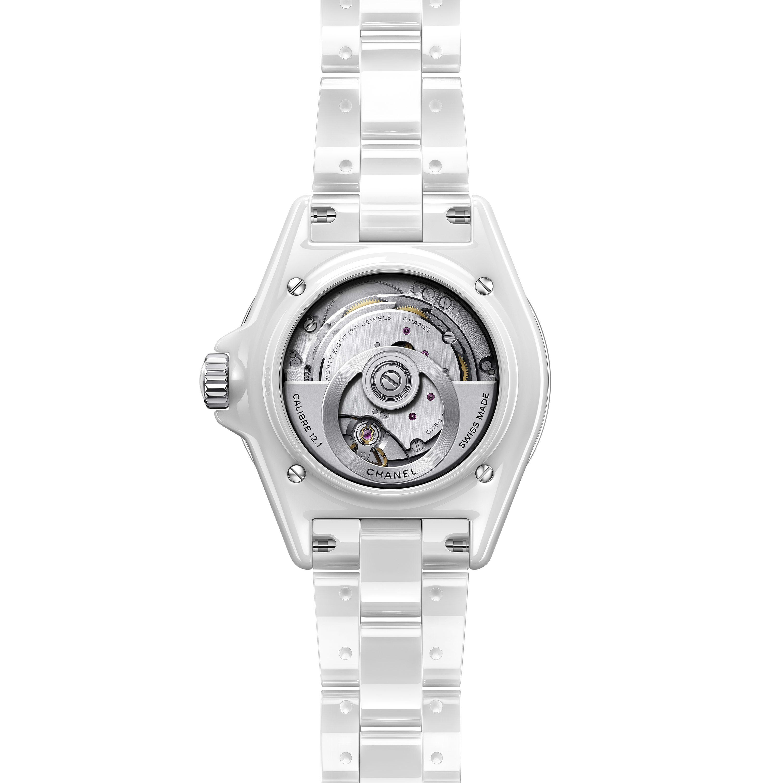 นาฬิกา J12 คาลิเบอร์ 12.1 ขนาด 38 มม. - เซรามิกความทนทานสูงสีขาวและสตีล - CHANEL - มุมมองอื่น - ดูเวอร์ชันขนาดมาตรฐาน