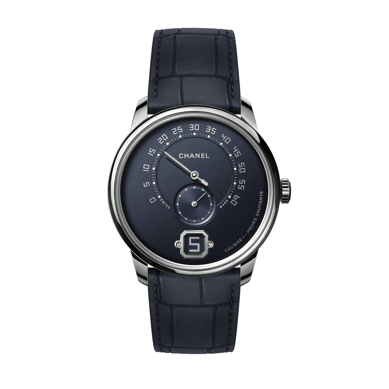 Relógio Monsieur. Edição em azul - Ouro branco e mostrador granulado em azul-marinho, sem ponteiro de hora e com minuto retrógrado a 240° - CHANEL - Vista predefinida - ver a versão em tamanho standard