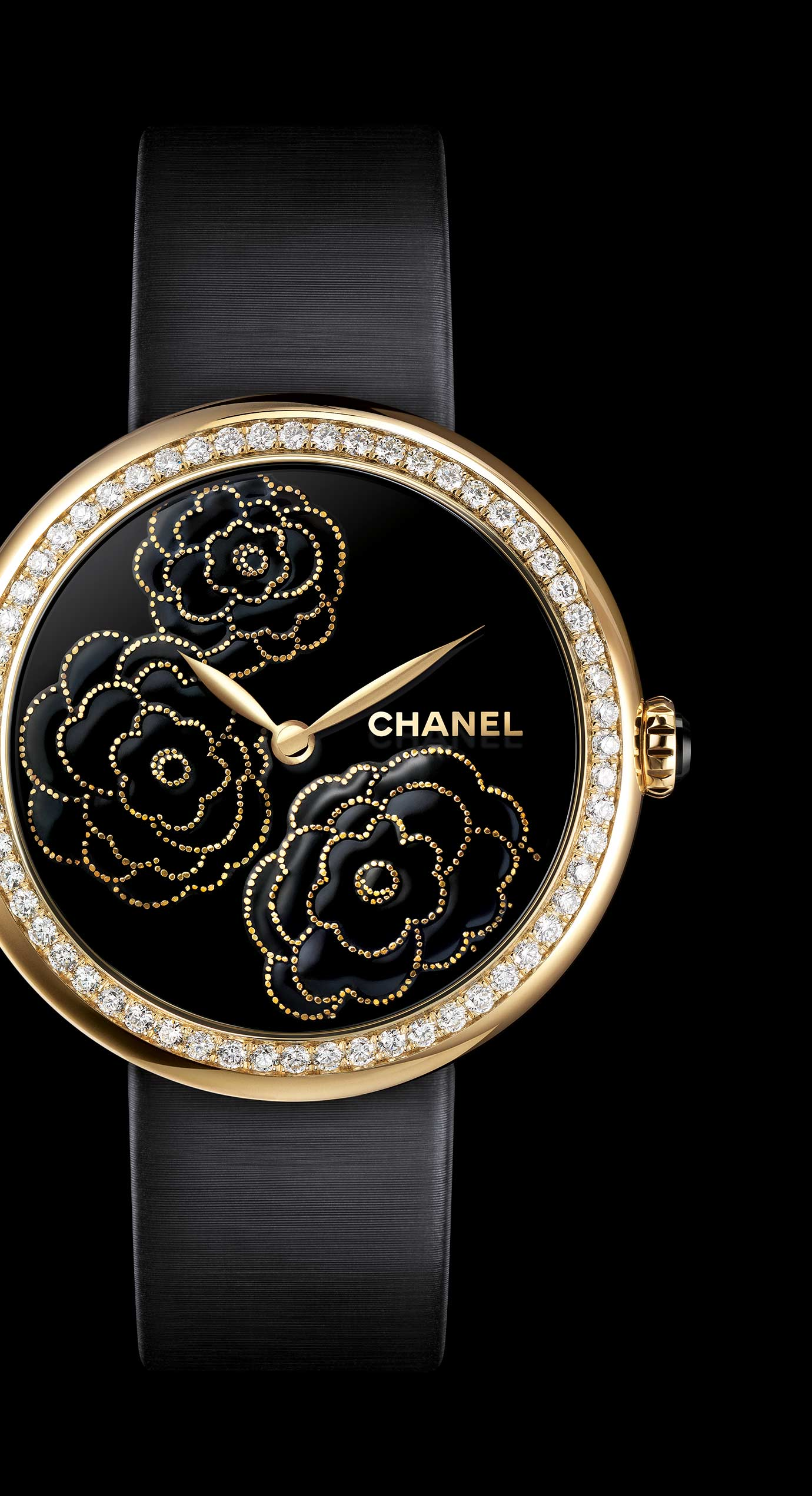 Reloj Mademoiselle Privé Camelias en oro amarillo, esfera lacada negra mediante la técnica del «maki-e» - Vista ampliada