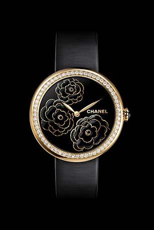 Reloj Mademoiselle Privé Camelias en oro amarillo, esfera lacada negra mediante la técnica del «maki-e»