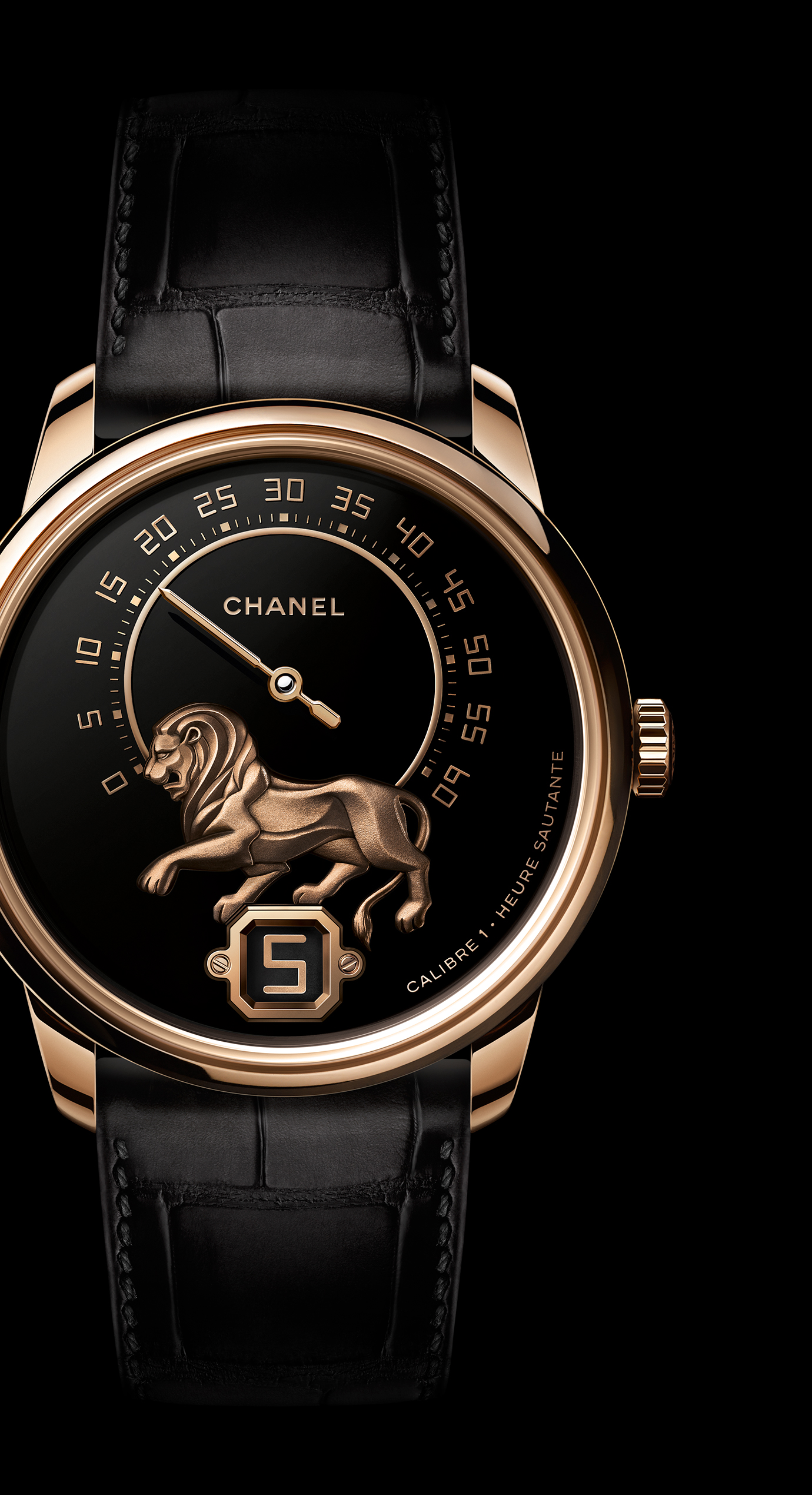 Monsieur Watch, BEIGE GOLD, 'Grand Feu' enamel with gold sculpted lion dial, jumping hour and 240° retrograde minute - Enlarged view
