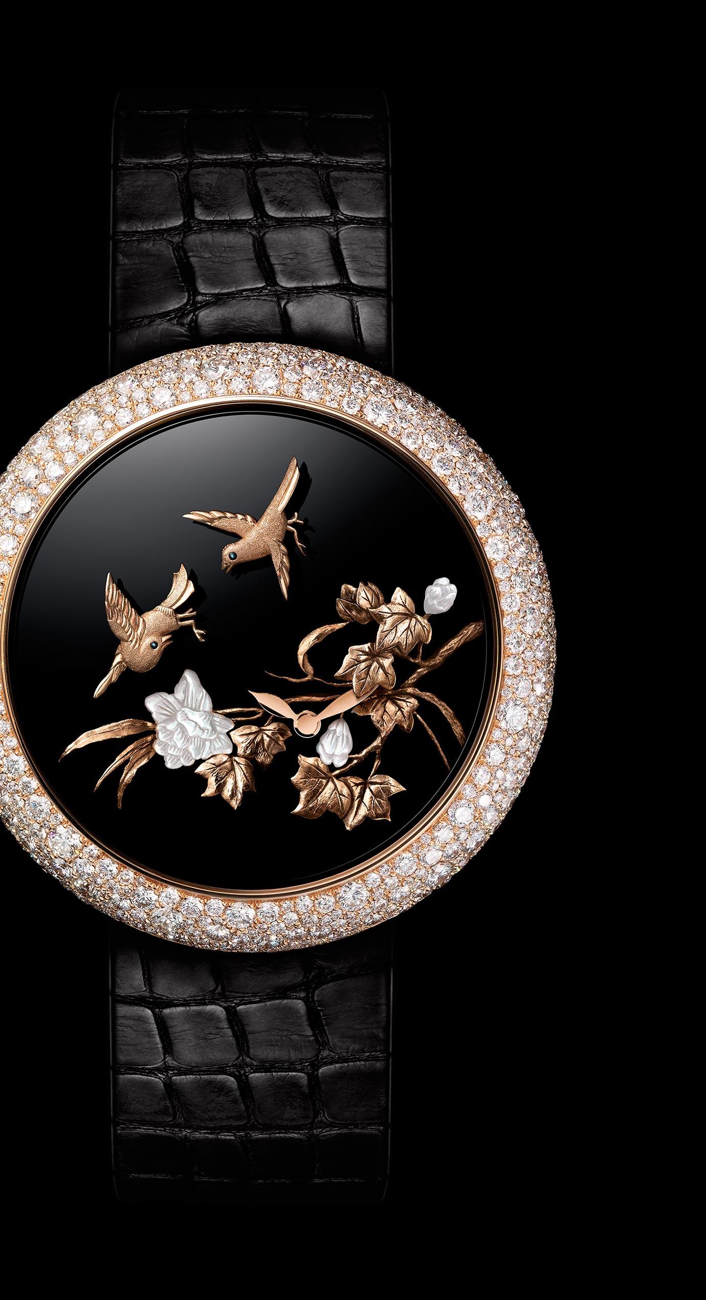 Reloj Mademoiselle Privé Coromandel Aves vibrantes realizado según la técnica del oro esculpido. - Vista ampliada