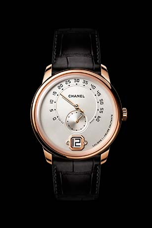 Monsieur watch in 18K BEIGE GOLD, ivory dial with jumping hour, 240° retrograde minutes and small second counter.