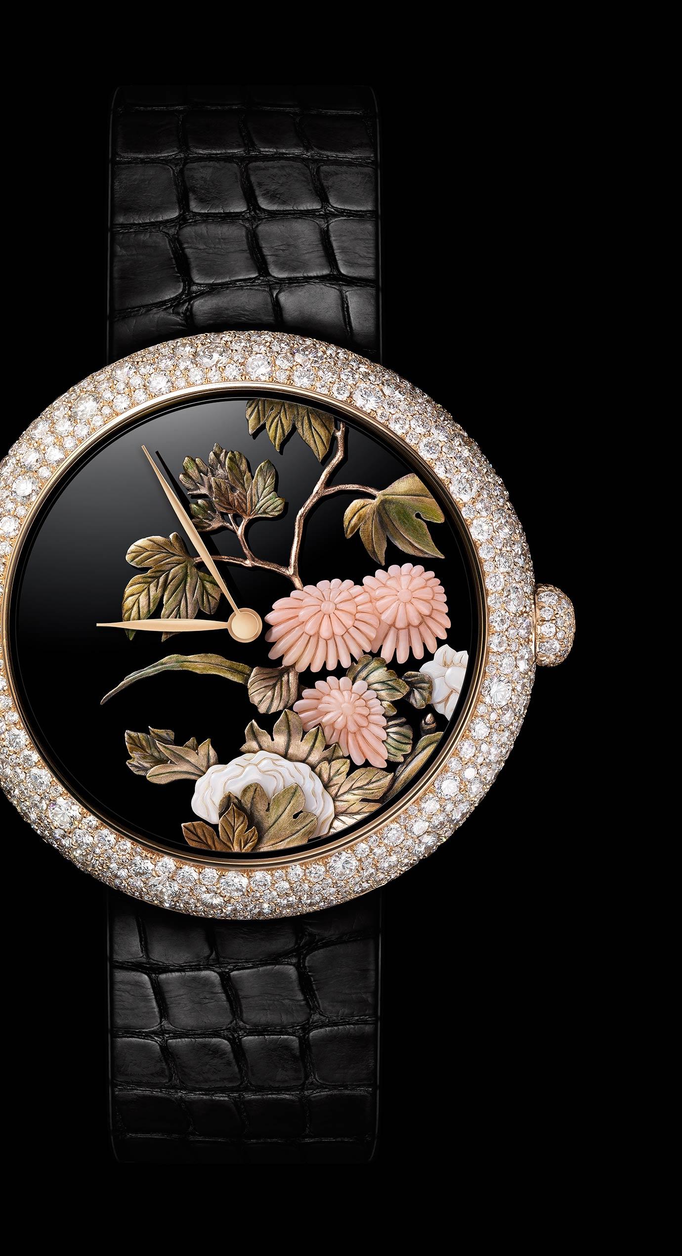 Reloj Mademoiselle Privé Coromandel realizado según la técnica del oro esculpido. - Vista ampliada