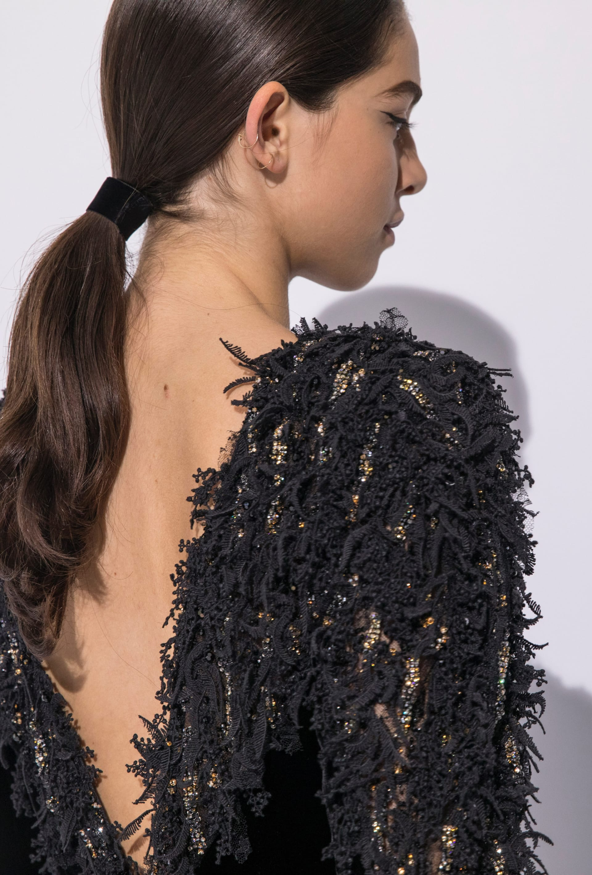 View 6 - Look 55 - Fall-Winter 2019/20 Haute-Couture - see full sized version