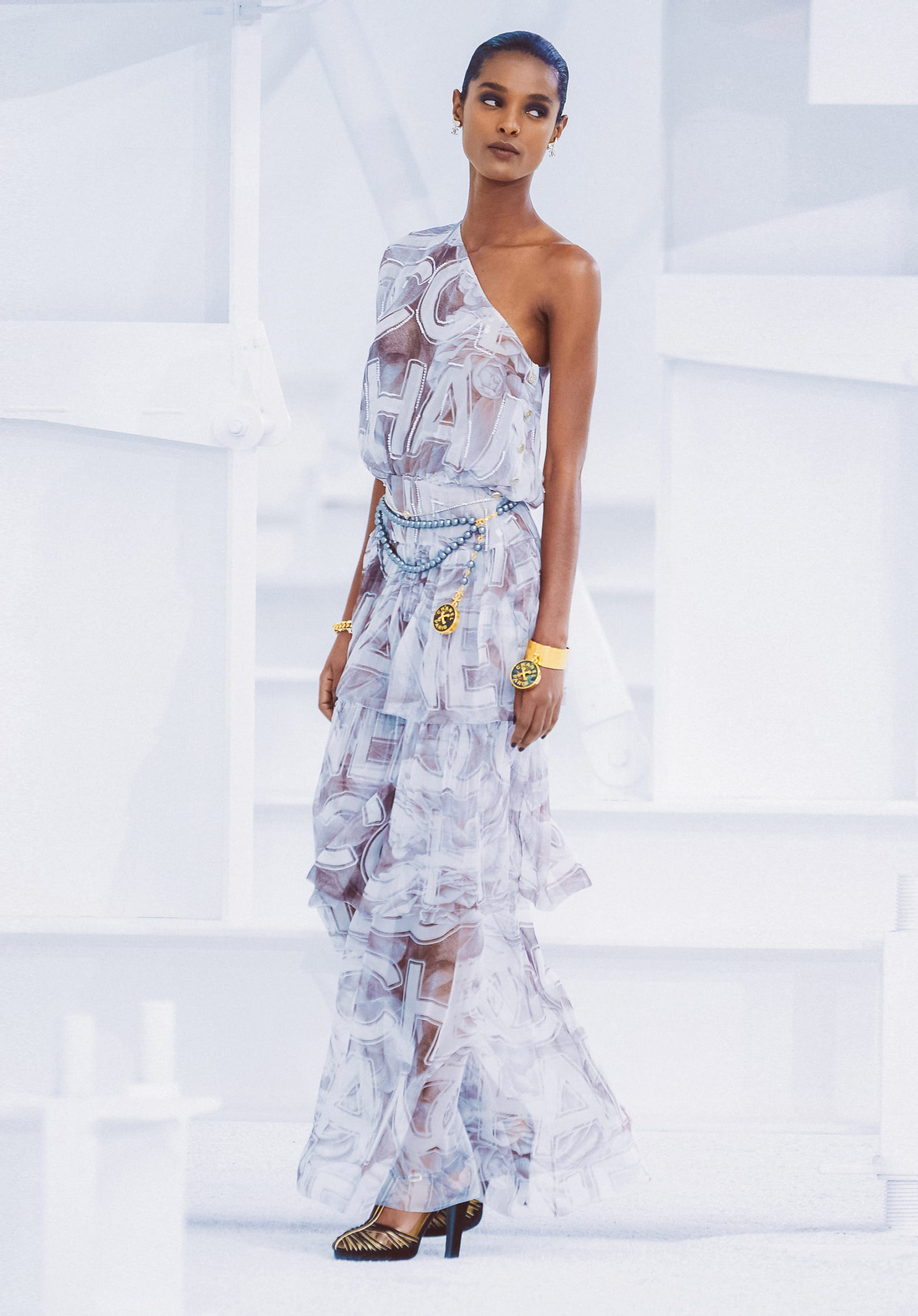View 1 - Look68 - Spring-Summer 2021 - see full sized version