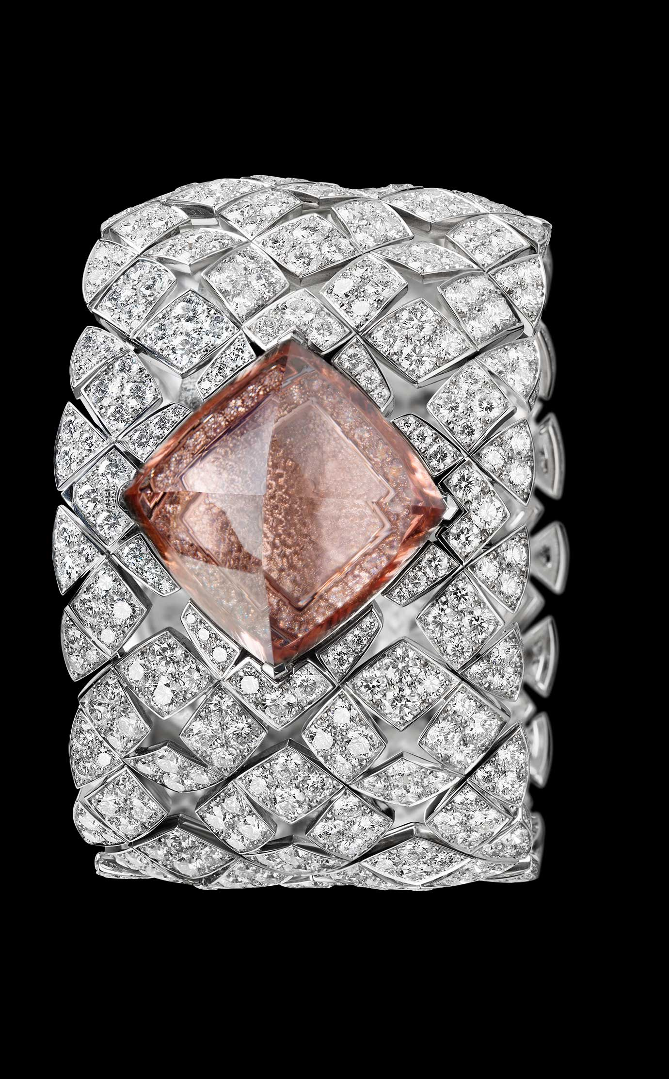 Les Eternelles de CHANEL. Secret cuff watch in 18K white gold. 43.64-carat pink morganite pyramid. - Closed - Enlarged view