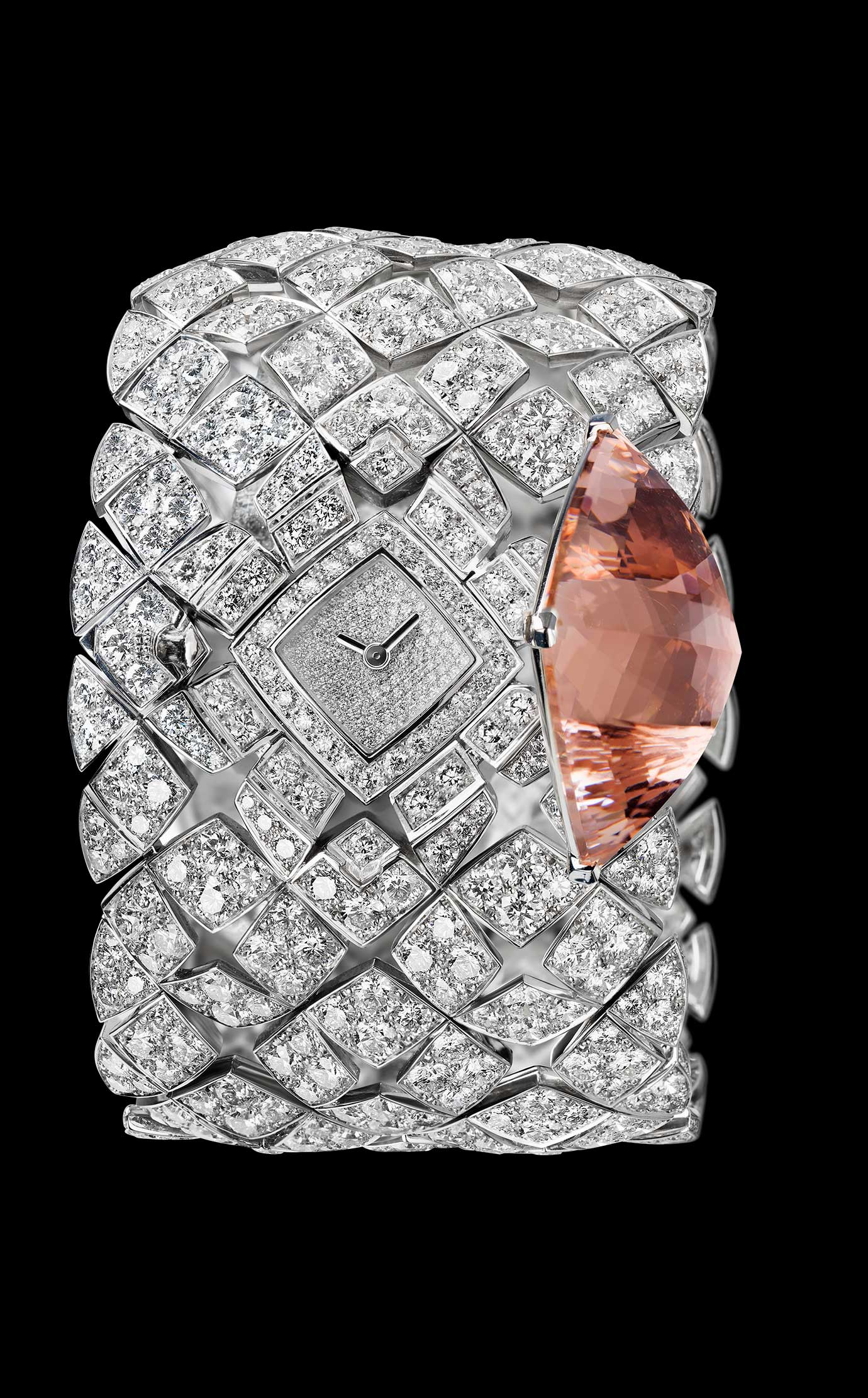 Les Eternelles de CHANEL. Secret cuff watch in 18K white gold. 43.64-carat pink morganite pyramid. - Open - Enlarged view