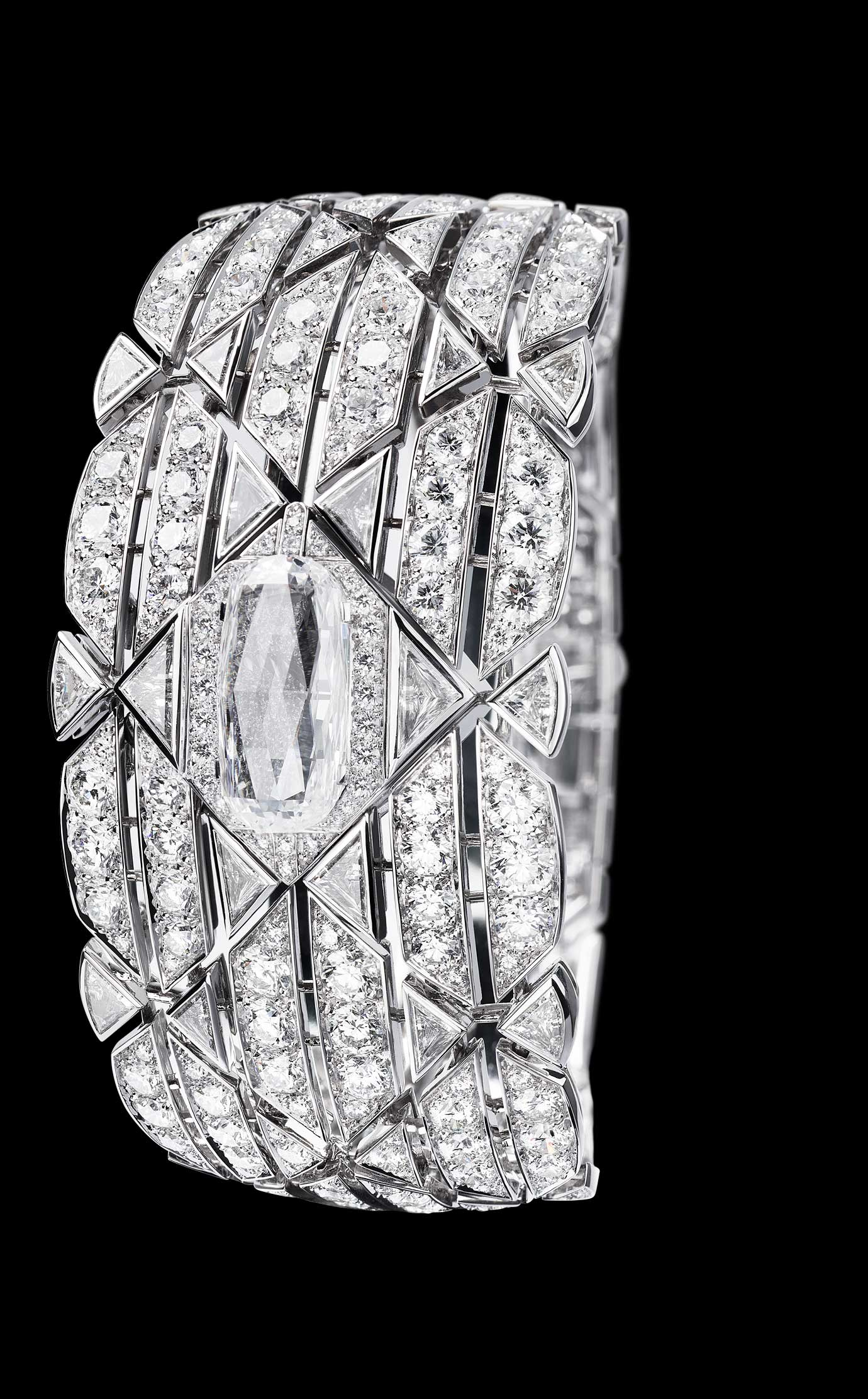 Les Eternelles de CHANEL. Secret cuff watch in 18K white gold. 5.26 carat exceptional diamond. 																											 - Closed - Enlarged view