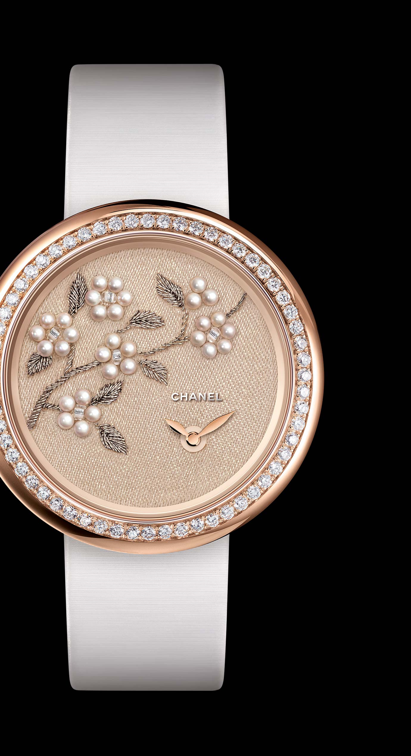 Mademoiselle Privé watch with gold thread camellias, fine pearls and glass beads - Lesage embroidery. - Enlarged view