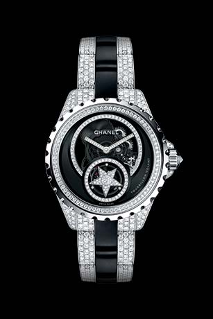 J12 Tourbillon Volant Squelette  en or blanc 18 carats et céramique high-tech* noire serties de diamants. Bracelet serti de diamants taille brillant.
