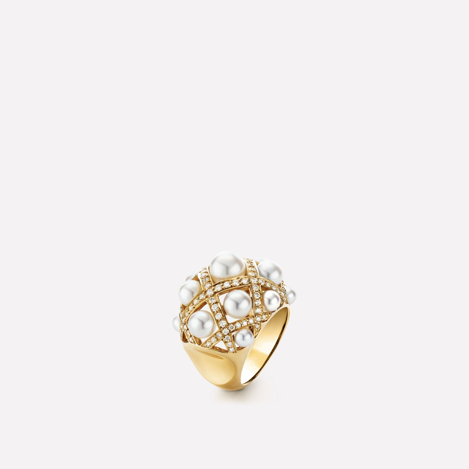 Baroque Ring Baroque ring in 18K yellow gold, cultured pearls and diamonds. Large version.