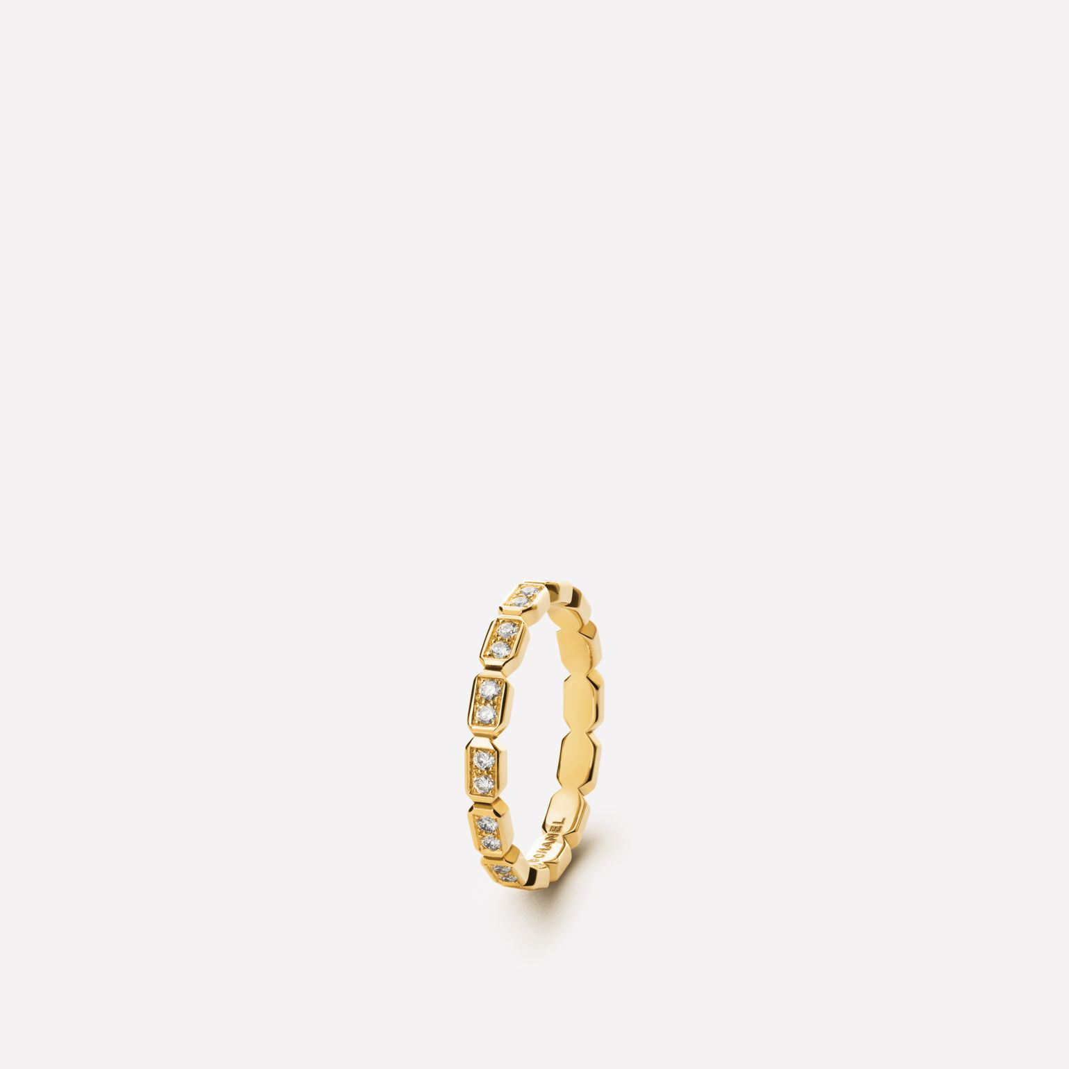 Baroque Ring Baroque ring in 18K yellow gold and diamonds