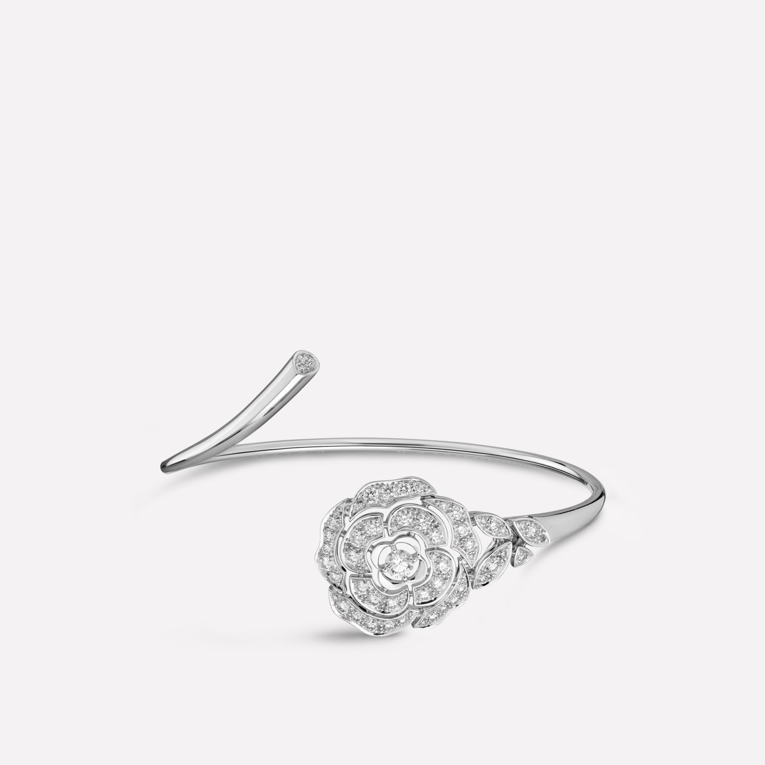Camélia bracelet Bouton de Camélia bracelet in 18K white gold and diamonds with one center diamond