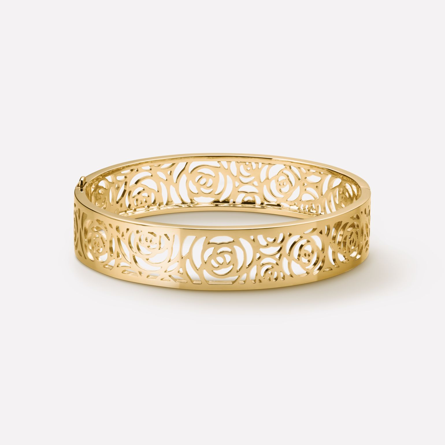 Camélia Bracelet Camélia Ajouré bangle in 18K yellow gold