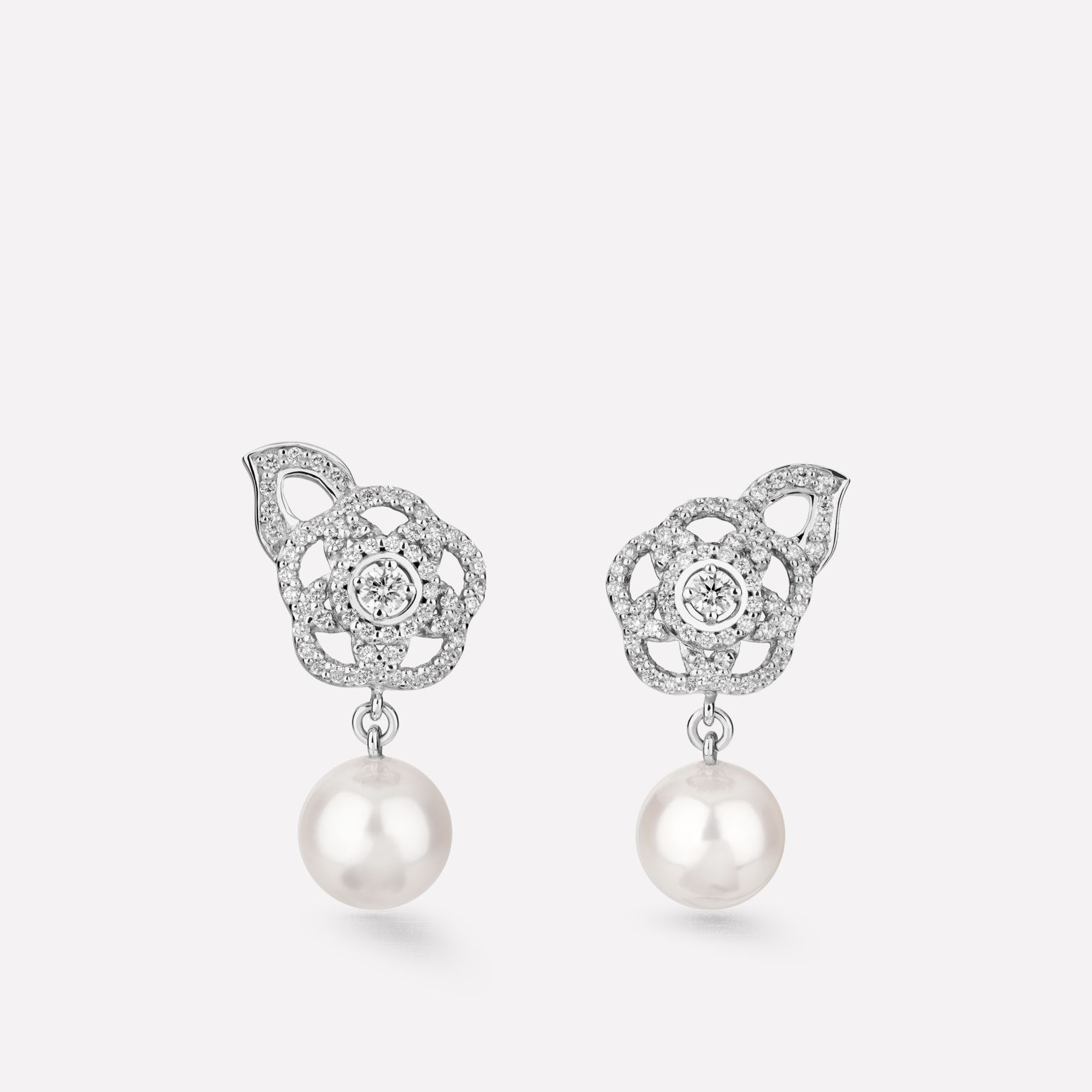 Camélia Brodé earrings 18K white gold, diamonds, cultured pearls