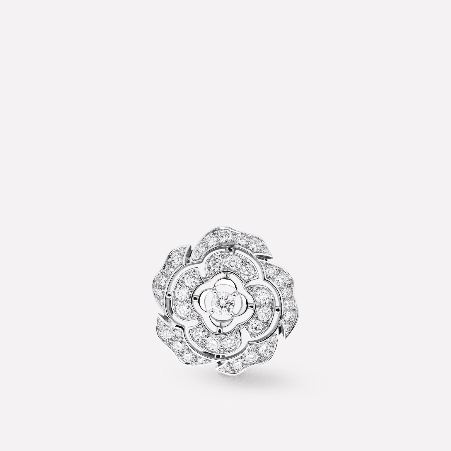 Camélia Brooch Camellia bud motif in 18K white gold, diamonds and central diamond
