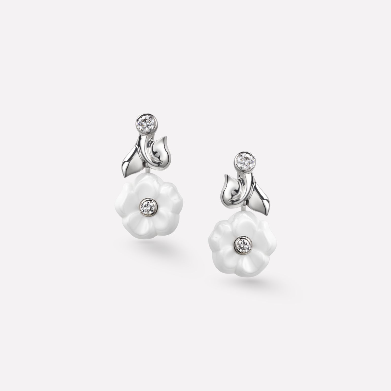 Camélia Earrings Camélia Galbé earrings in white ceramic, 18K white gold and diamonds