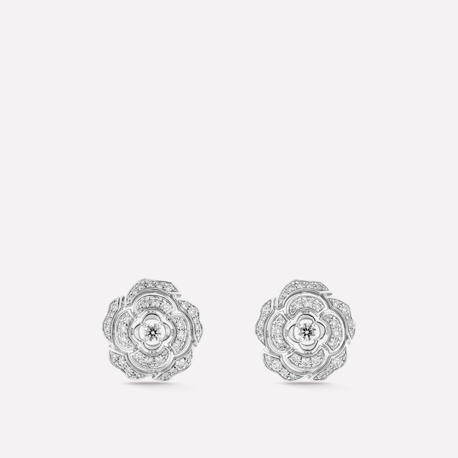 Camélia Earrings Camellia bud motif in 18K white gold, diamonds and central diamond