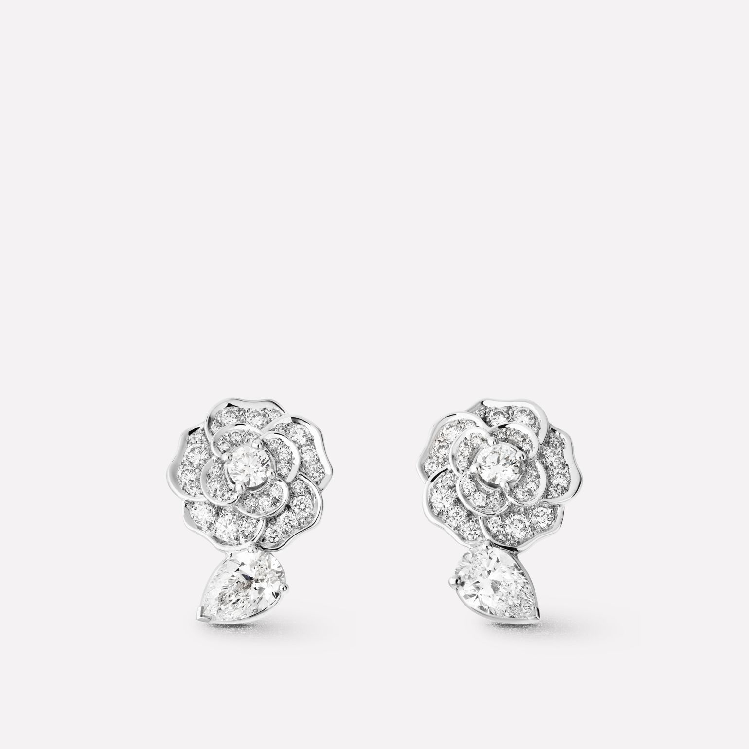 Camélia Earrings Précieux In 18k White Gold And Diamonds With Centre