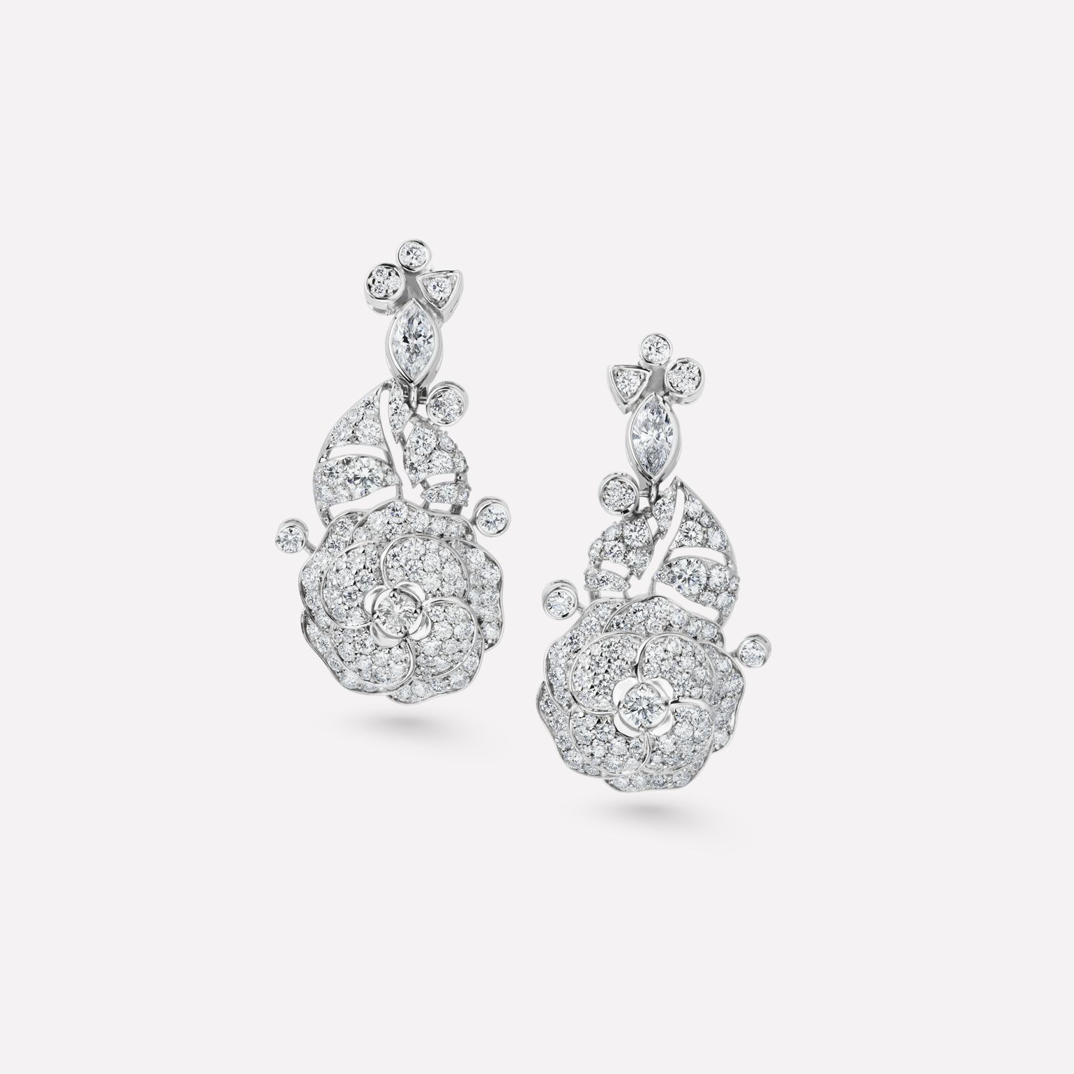 Camélia Earrings Pétales de Camélia earrings in 18K white gold, diamonds and central diamonds