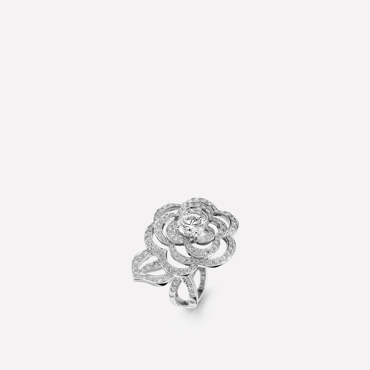 Camélia Ring Fil de Camélia ring in 18K white gold, diamonds and central diamond