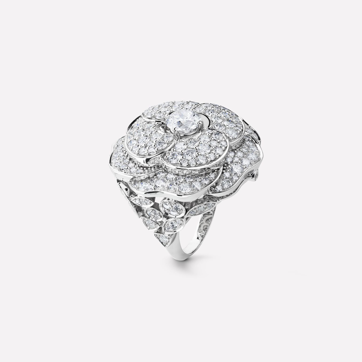 Camélia ring Pétales de Camélia ring, large version, in 18K white gold and diamonds with one center diamond