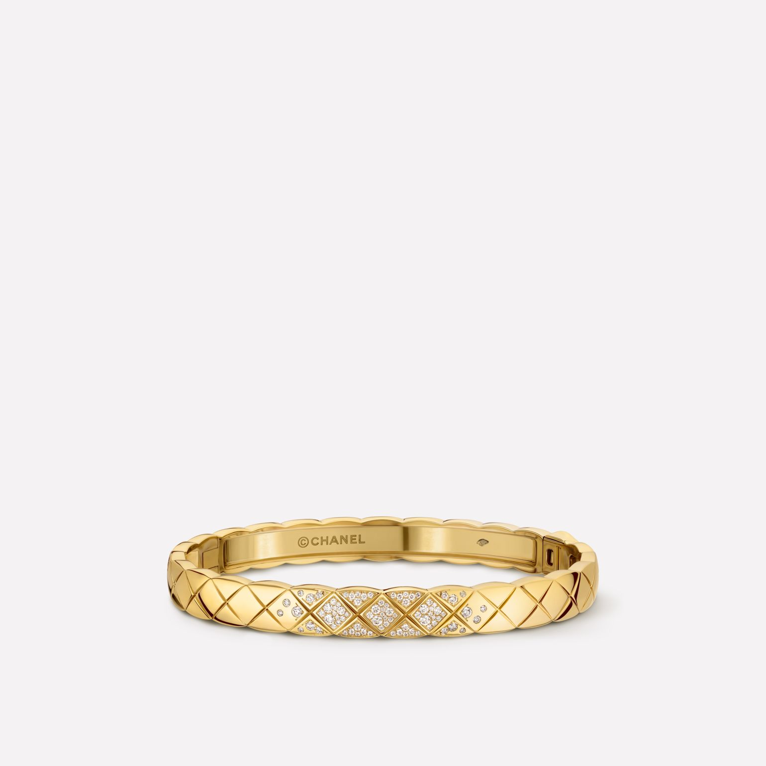 Coco Crush bracelet Quilted motif bangle in 18K yellow gold and diamonds