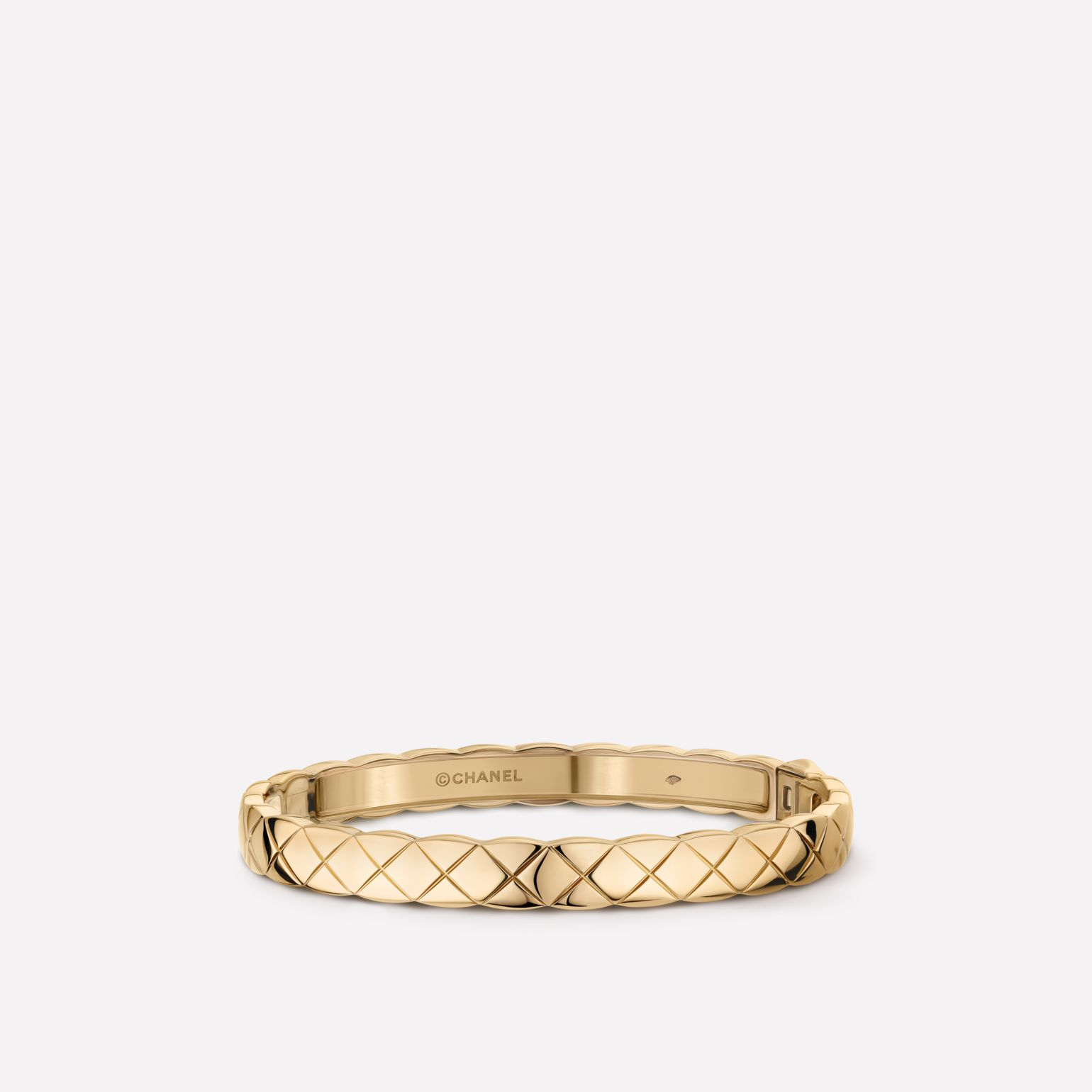 Coco Crush bracelet Quilted motif bangle in 18K BEIGE GOLD