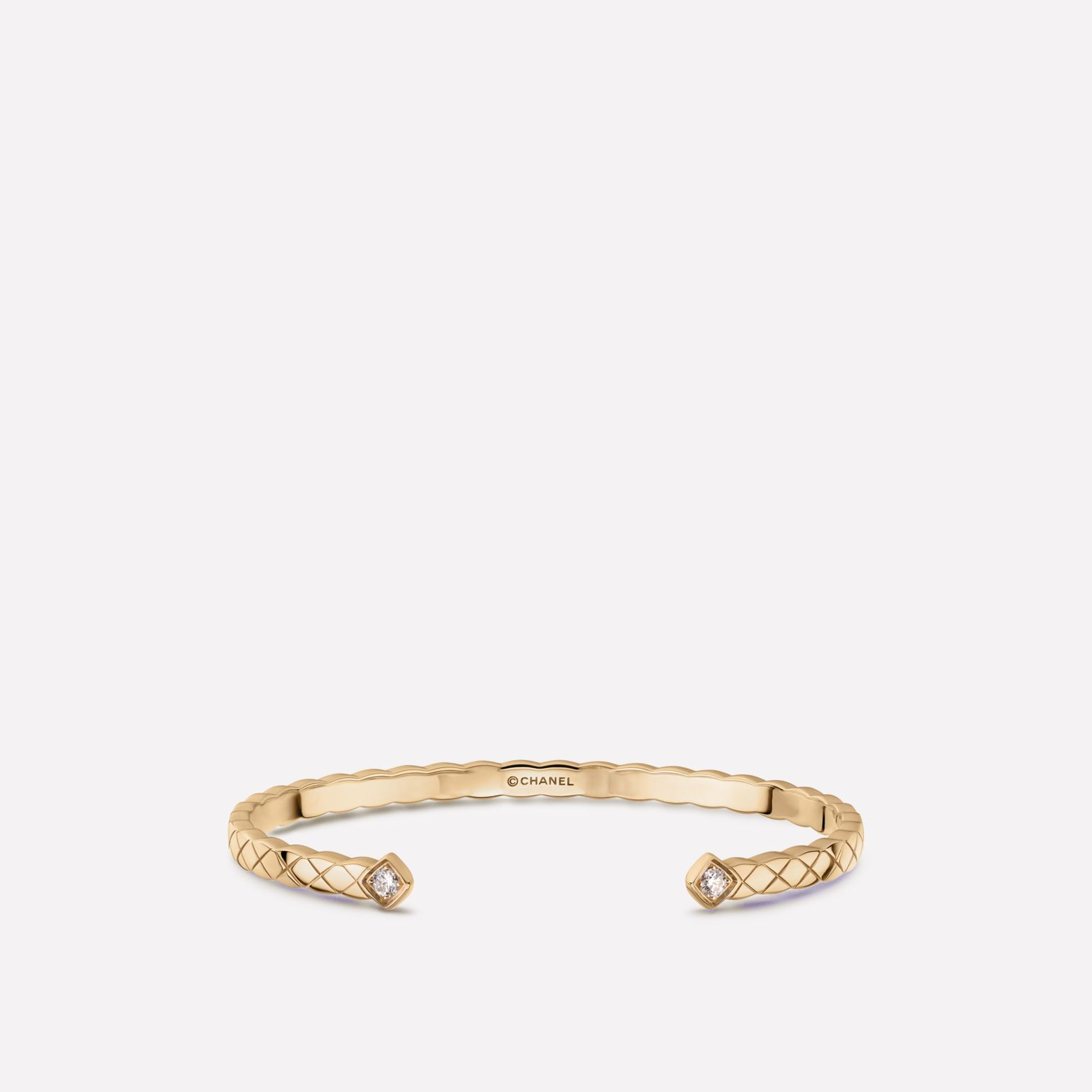Coco Crush bracelet Quilted motif bangle in 18K BEIGE GOLD and diamonds