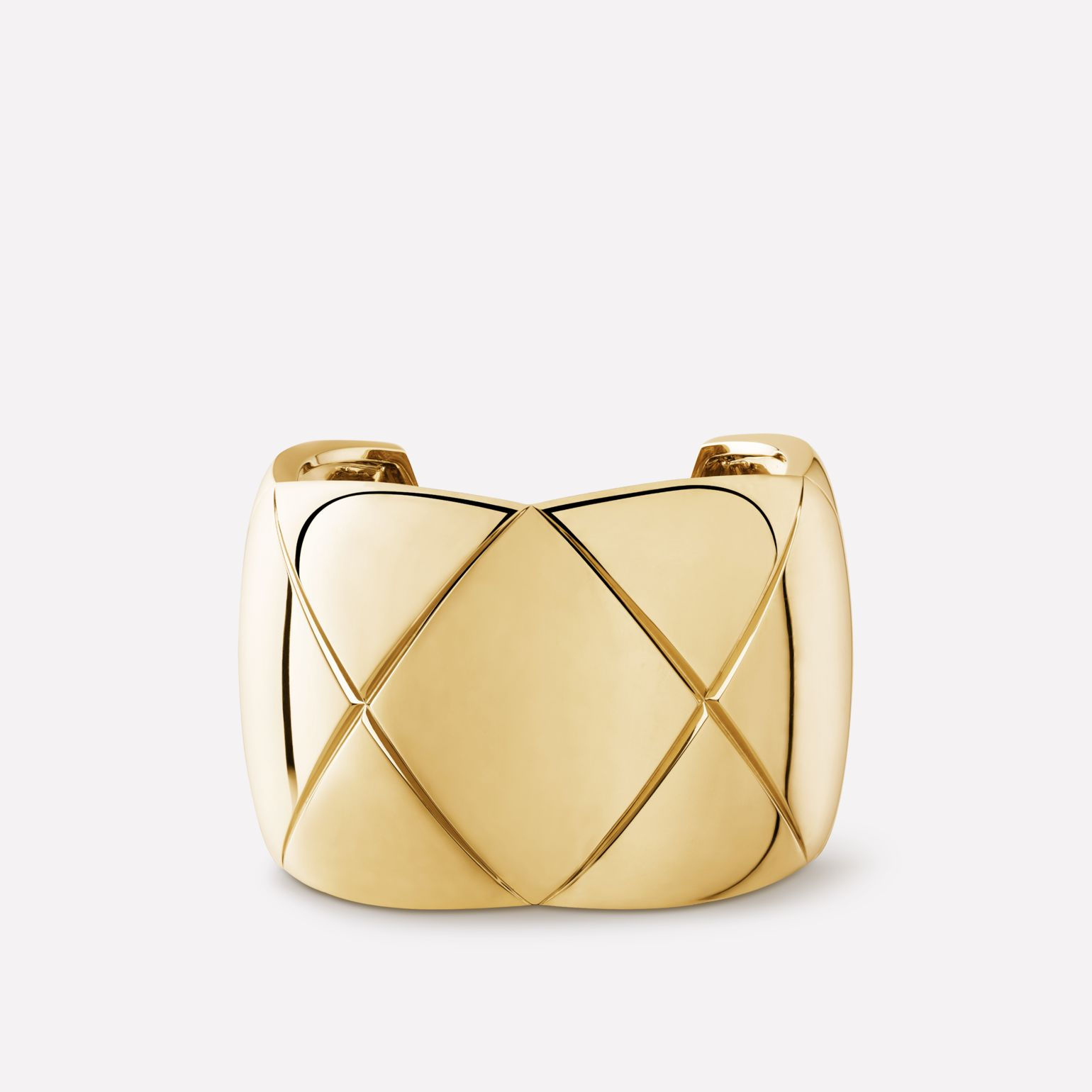 Coco Crush cuff Quilted motif, 18K yellow gold