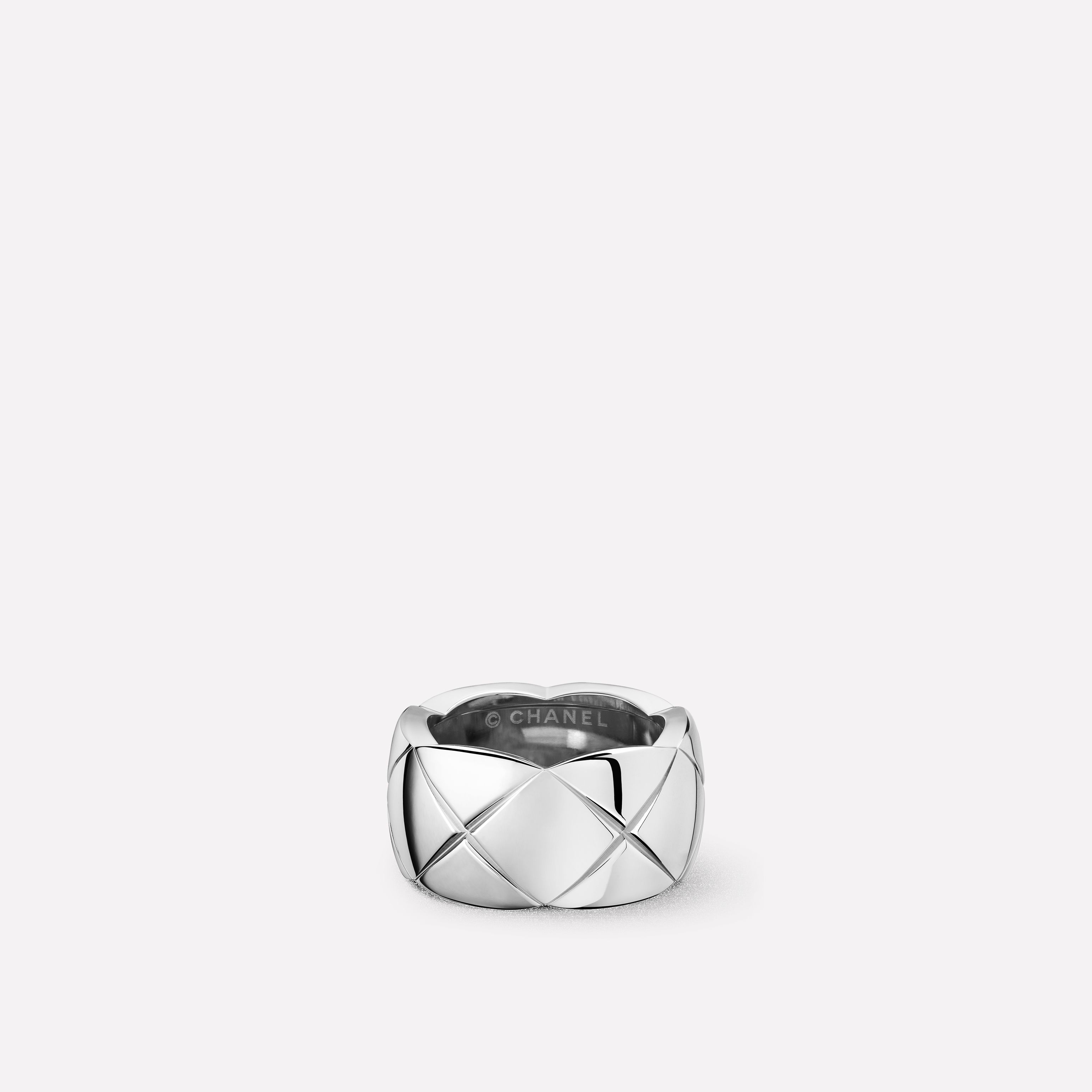 Coco Crush Ring Quilted motif ring in 18K white gold. Medium version. 3be8aa7384cf8