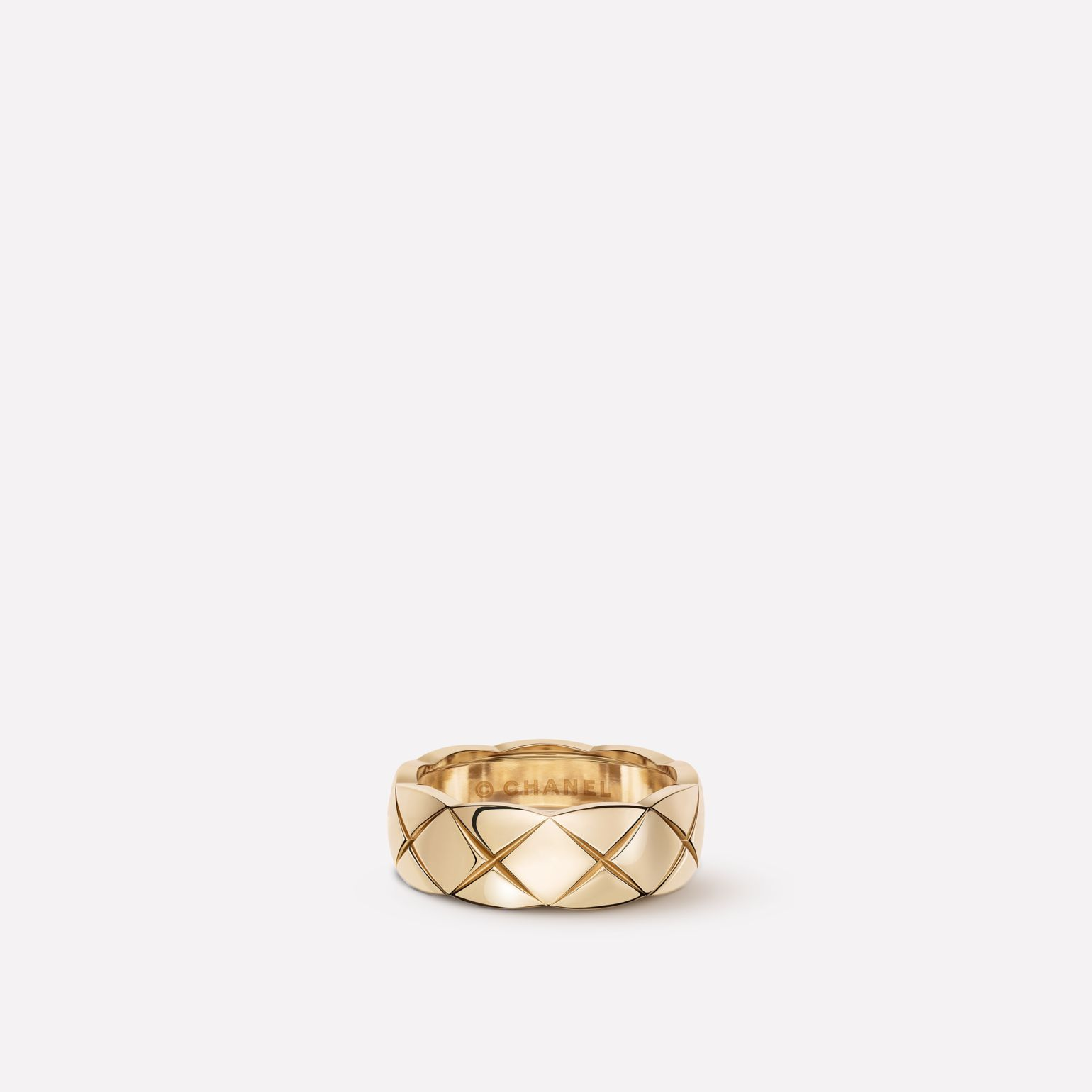 Coco Crush ring Quilted motif, small version, 18K BEIGE GOLD