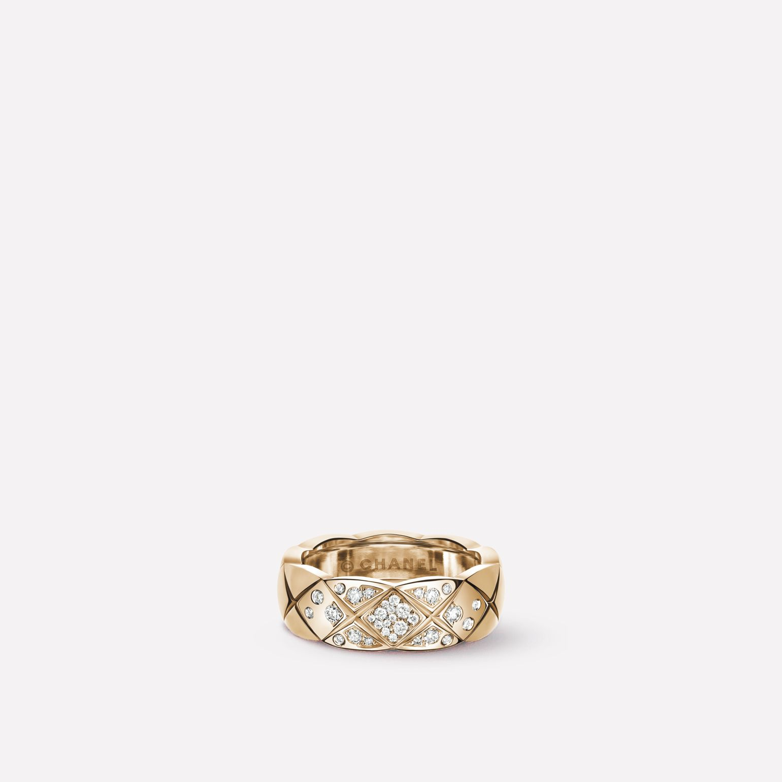 Coco Crush ring Quilted motif, small version, 18K BEIGE GOLD, diamonds