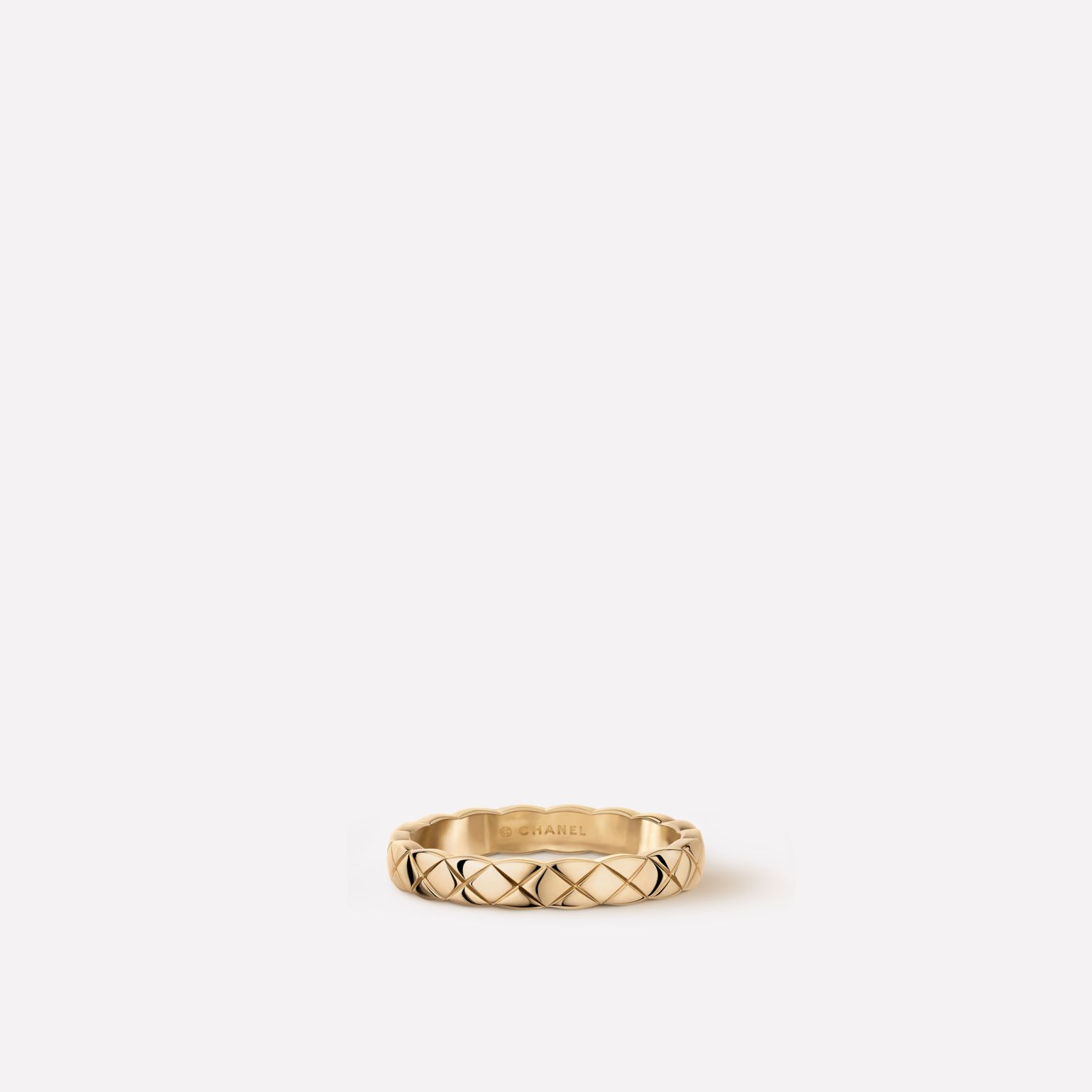 Coco Crush ring Quilted motif, mini version, 18K BEIGE GOLD