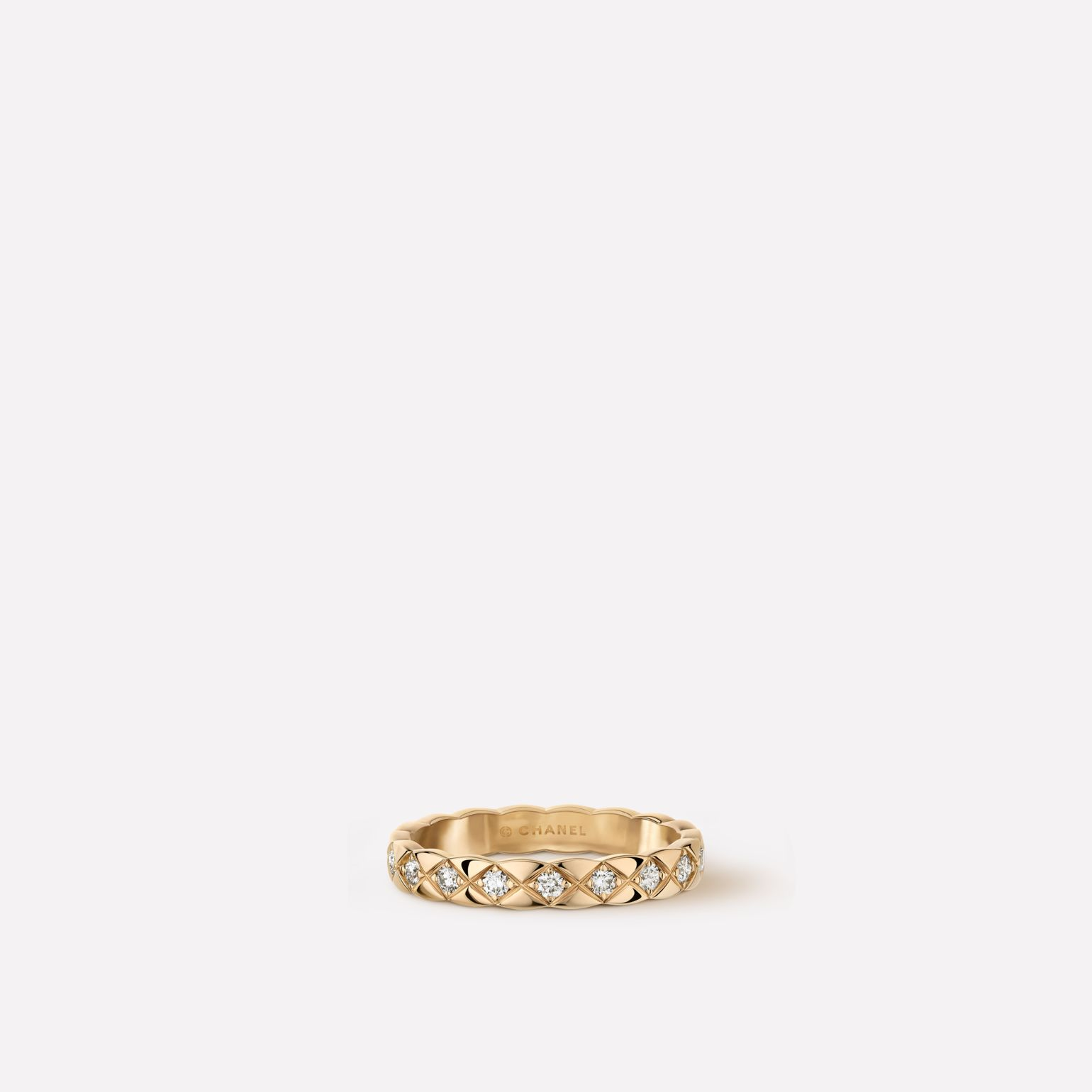 Coco Crush ring Quilted motif, mini version, 18K BEIGE GOLD, diamonds