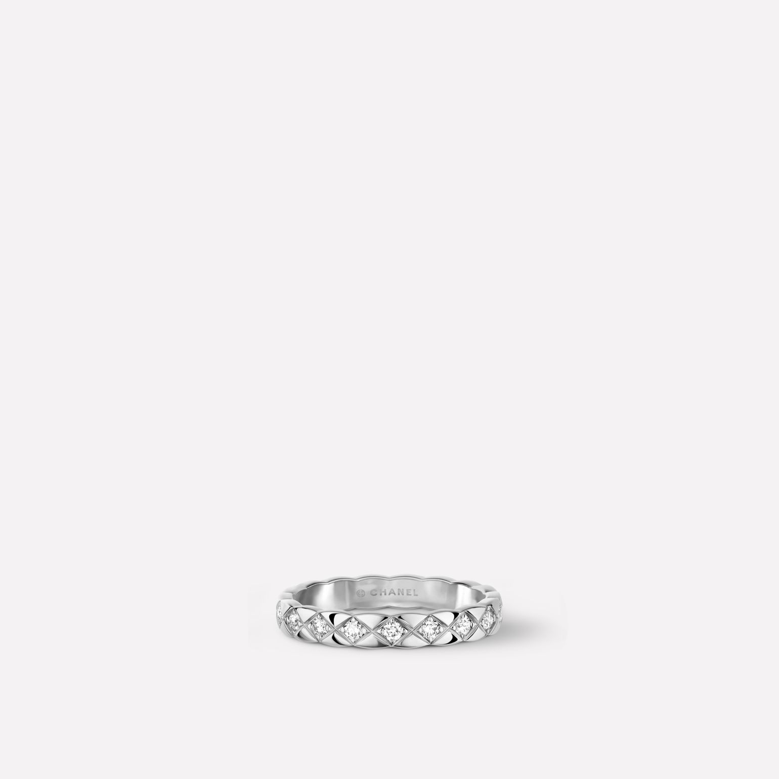 Coco Crush ring Quilted motif, mini version, 18K white gold, diamonds