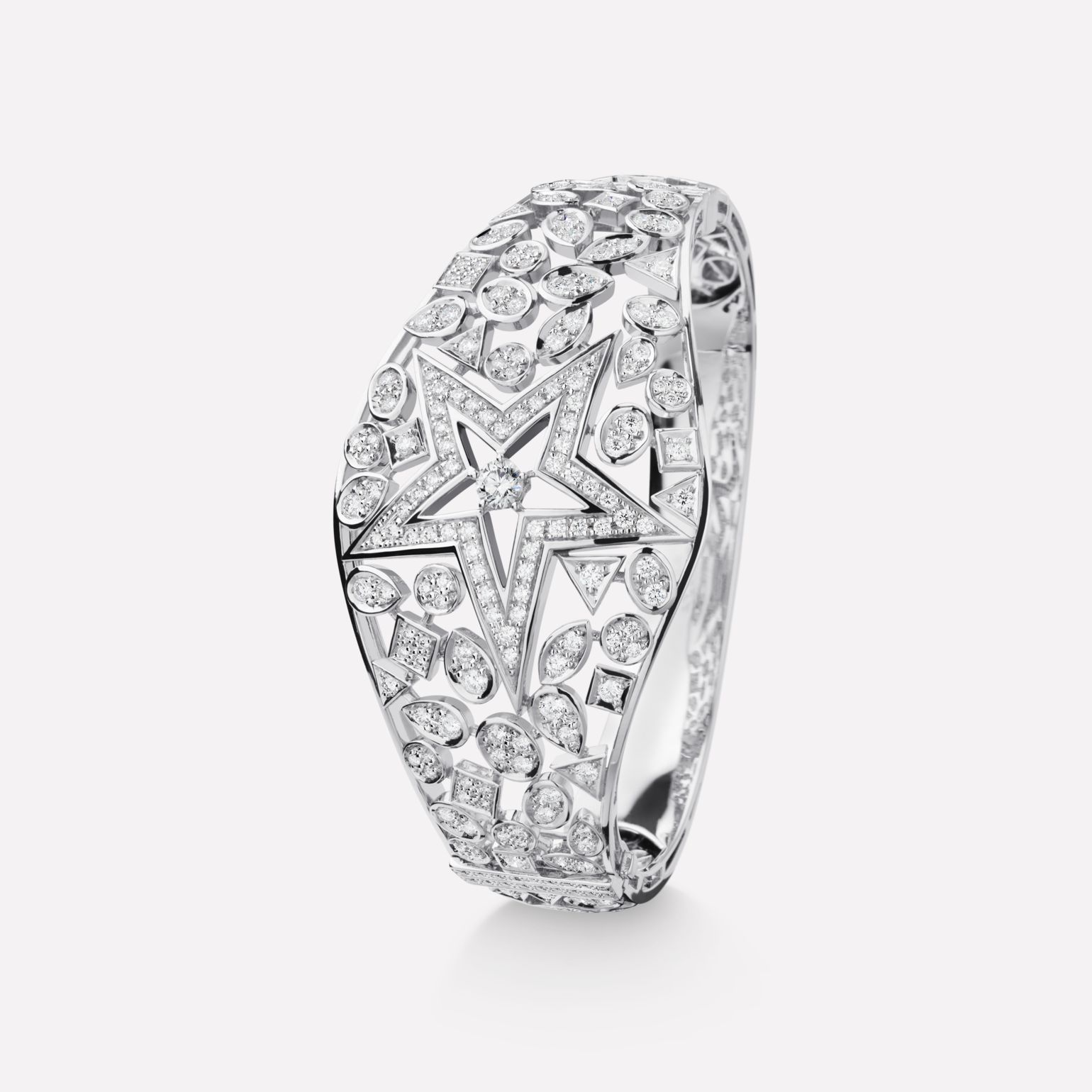Comète bracelet Star cuff, in 18K white gold and diamonds with one center diamond