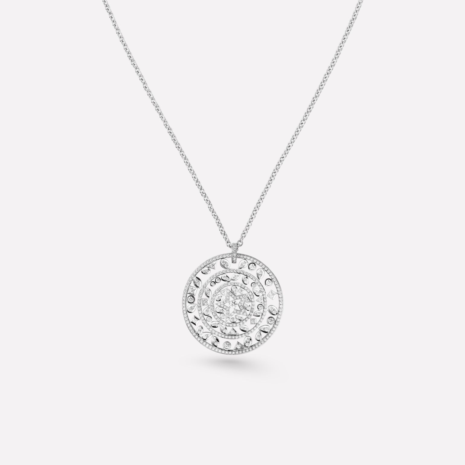 Comète Necklace Medallion star necklace in 18K white gold, diamonds and central diamond