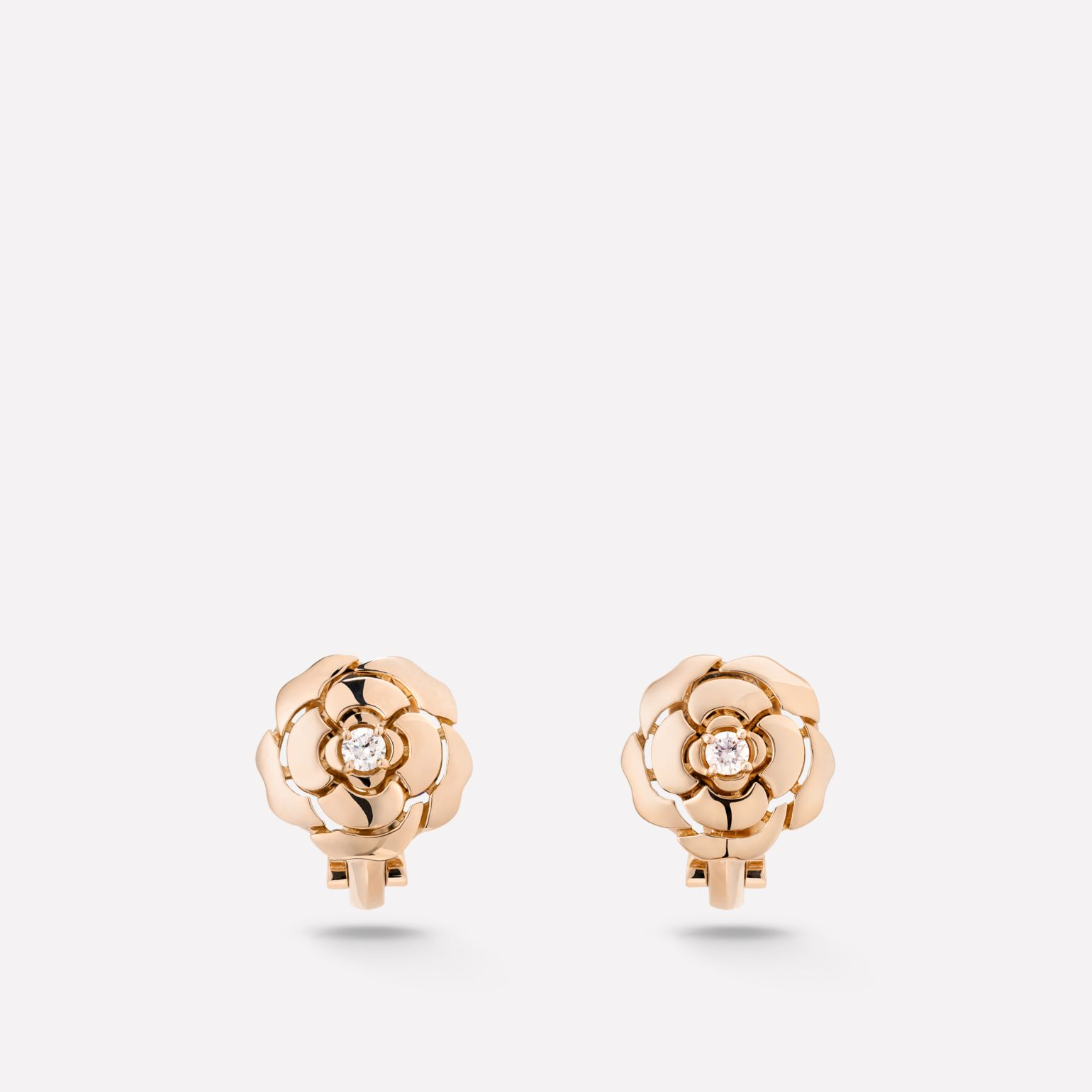 Extrait de Camélia earrings Extrait de Camélia ear studs in 18K pink gold with central diamonds