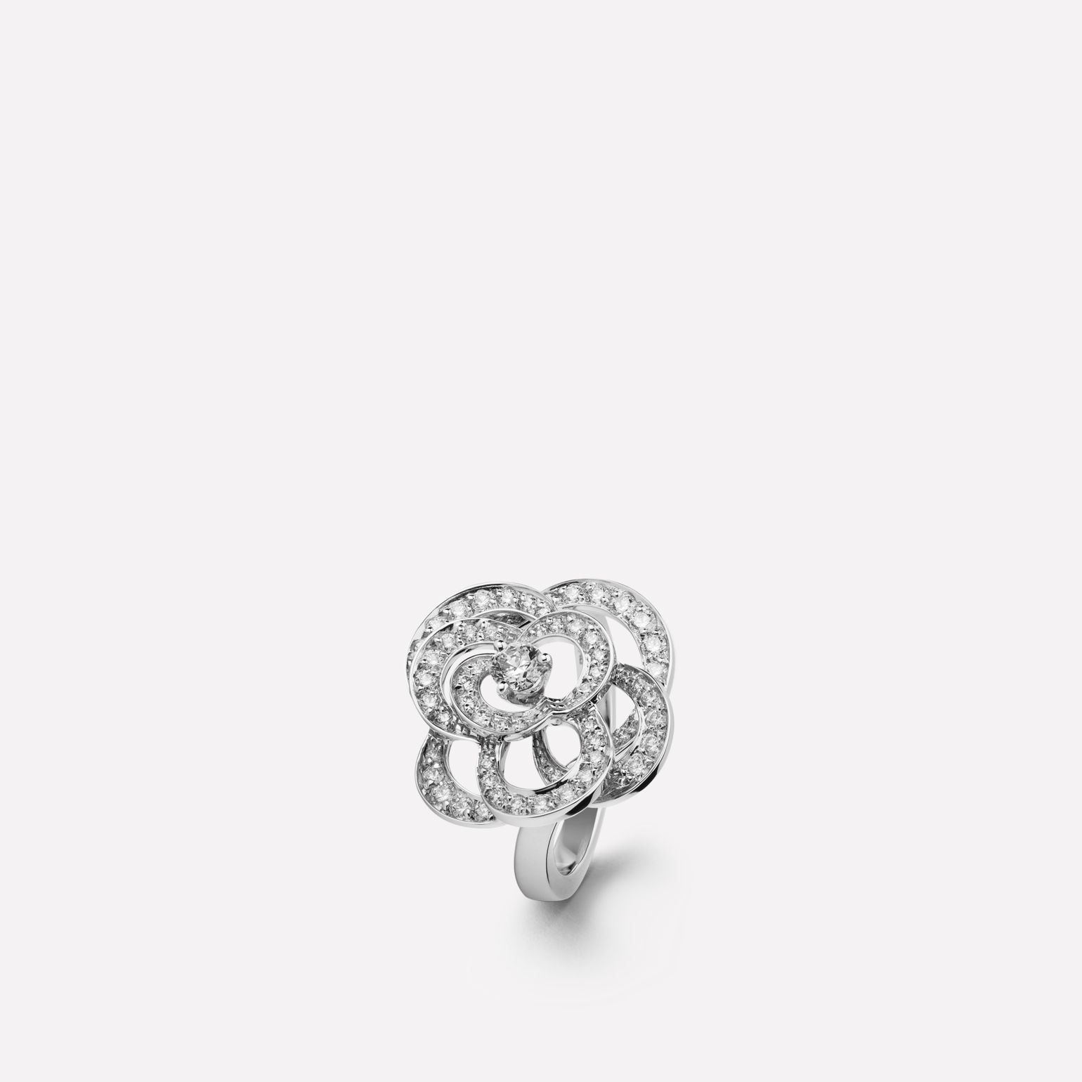 Fil de Camélia ring Medium version, 18K white gold, diamonds