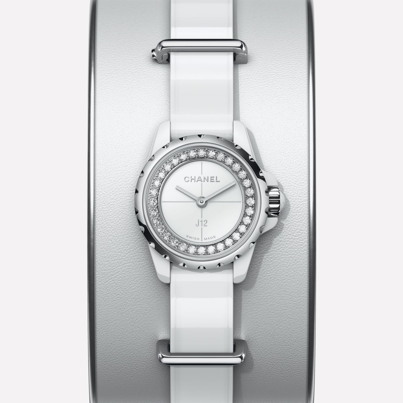 J12·XS Small cuff in white leather, white highly resistant ceramic and steel, flange set with diamonds